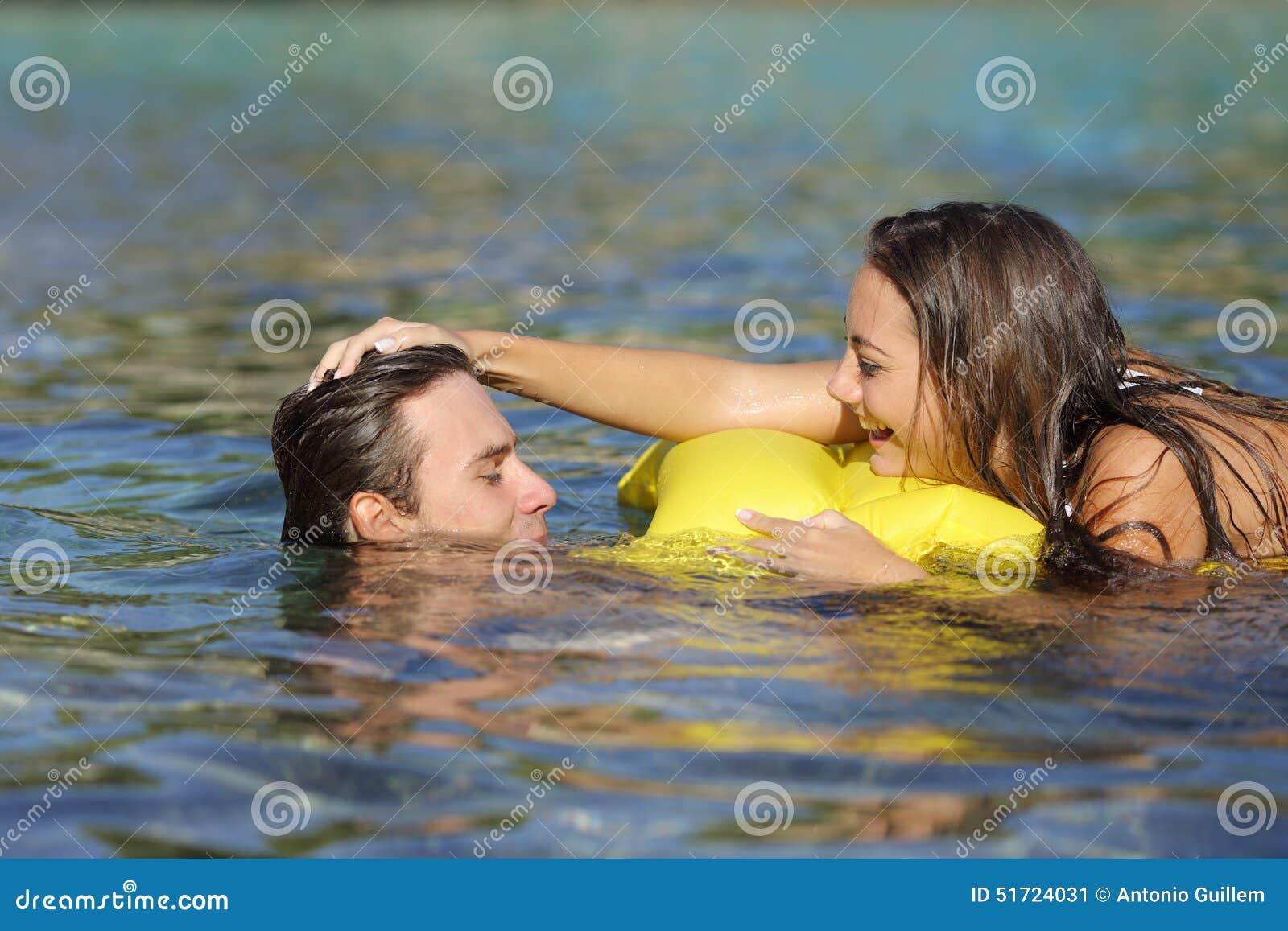 Flirten am strand spiel