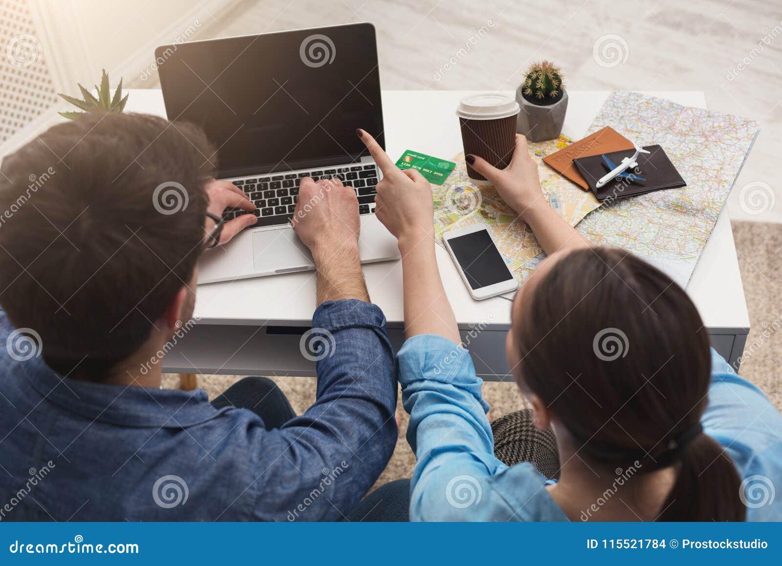 Verbinden Sie die Planungsreise und online suchen und zahlen