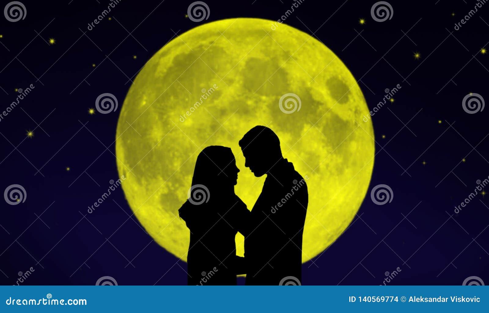 Verbinden Sie vor dem Mond