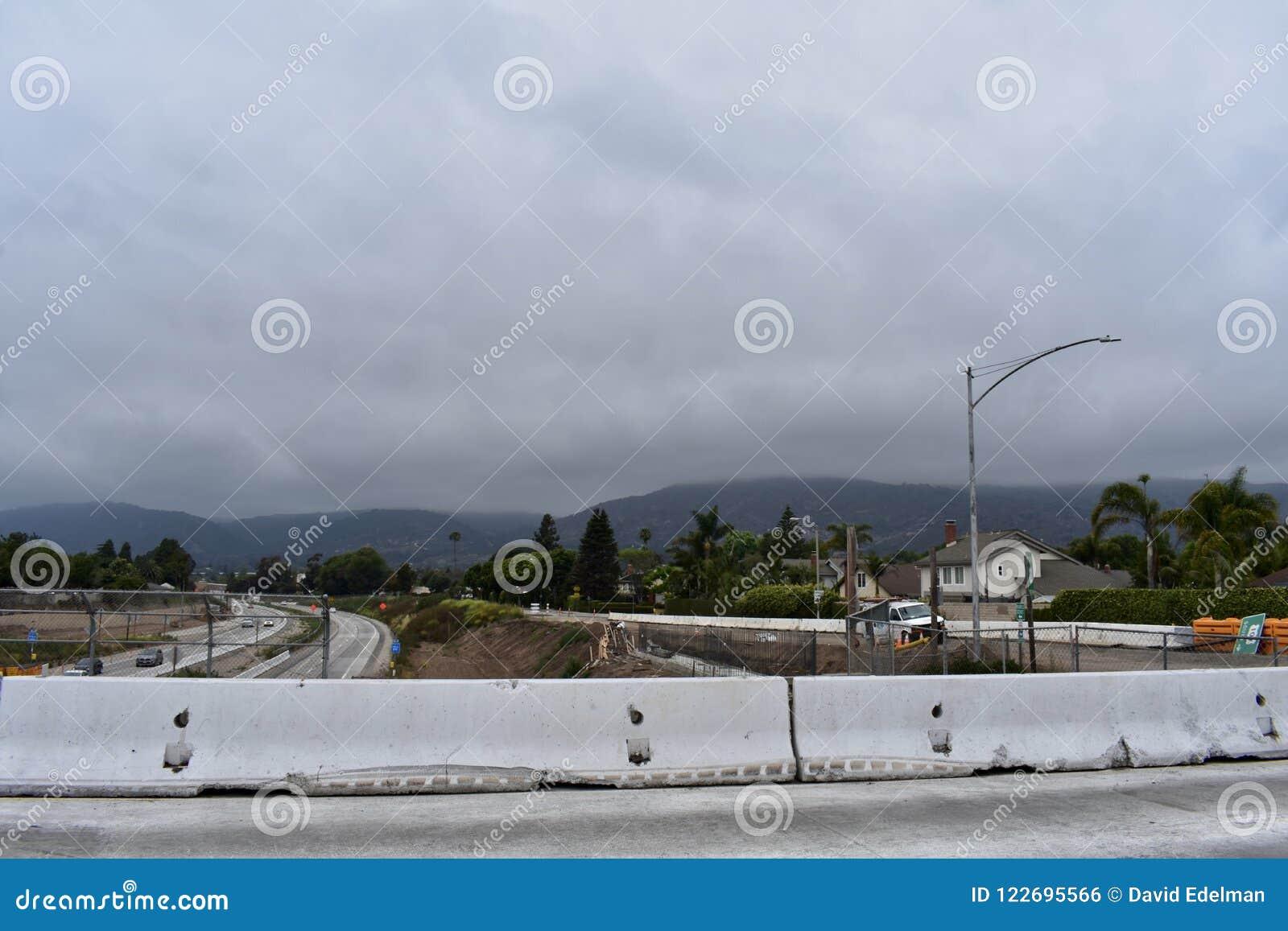 Verbreiterungsprojekt der Landstraße 101 durch Carpinteria, Kalifornien, 7