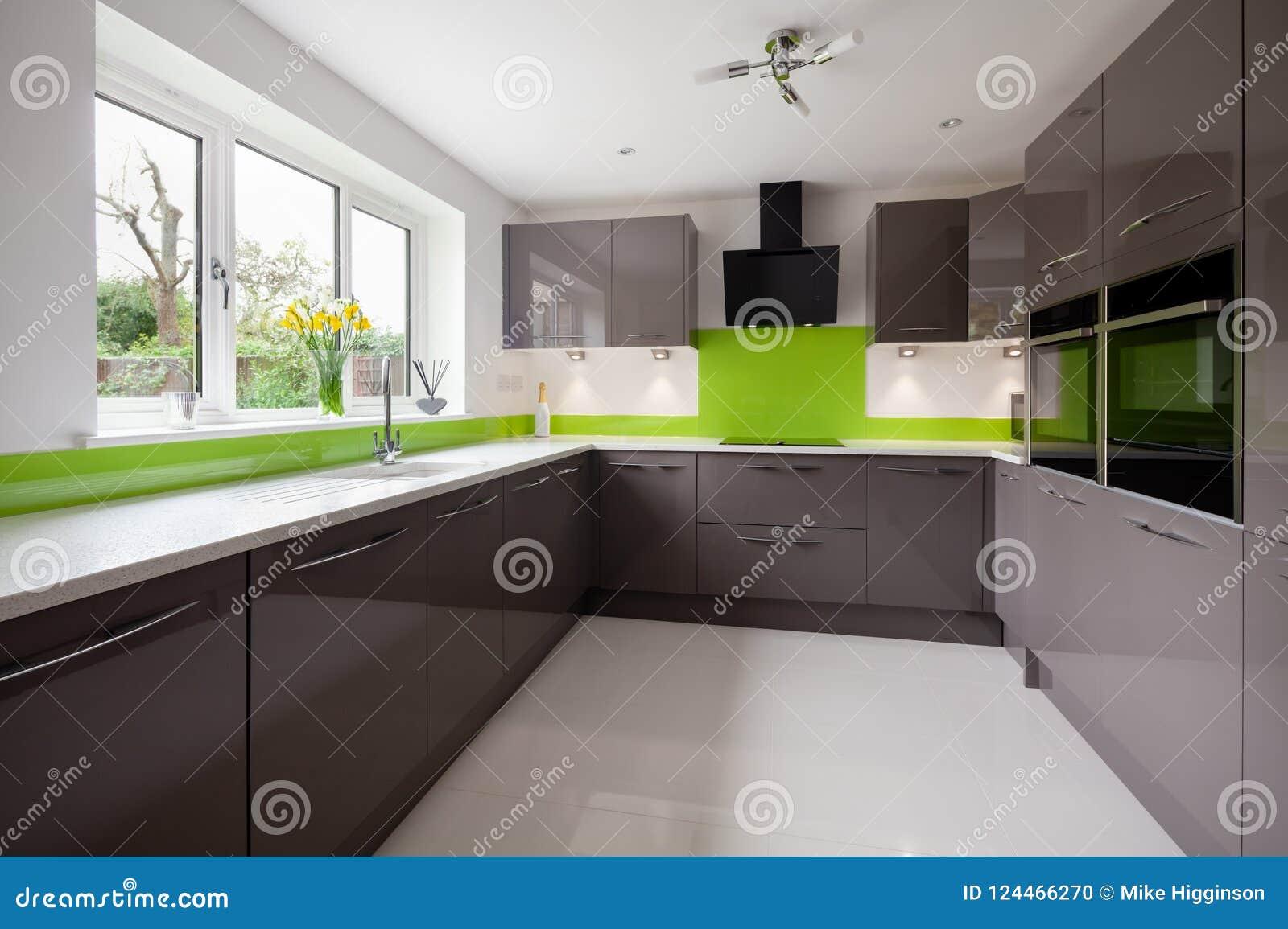 Verde moderno y Grey Kitchen