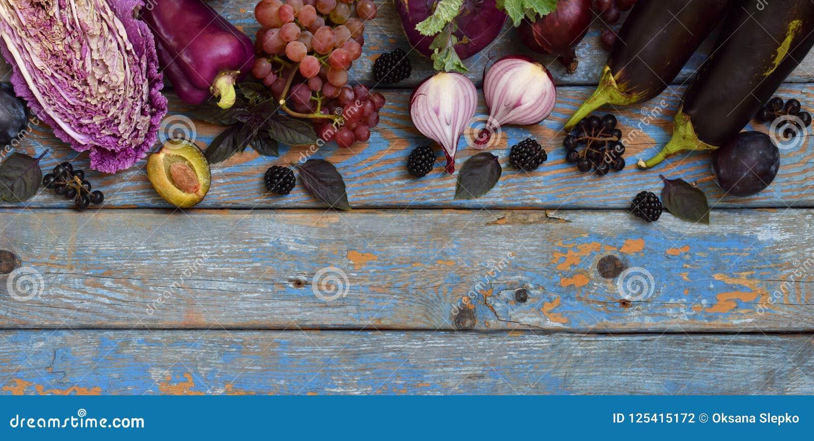 Verduras y frutas púrpuras Ciruelo, berenjena, pimienta, arándanos, sorba Comidas orgánicas violetas altas en los antioxidantes,