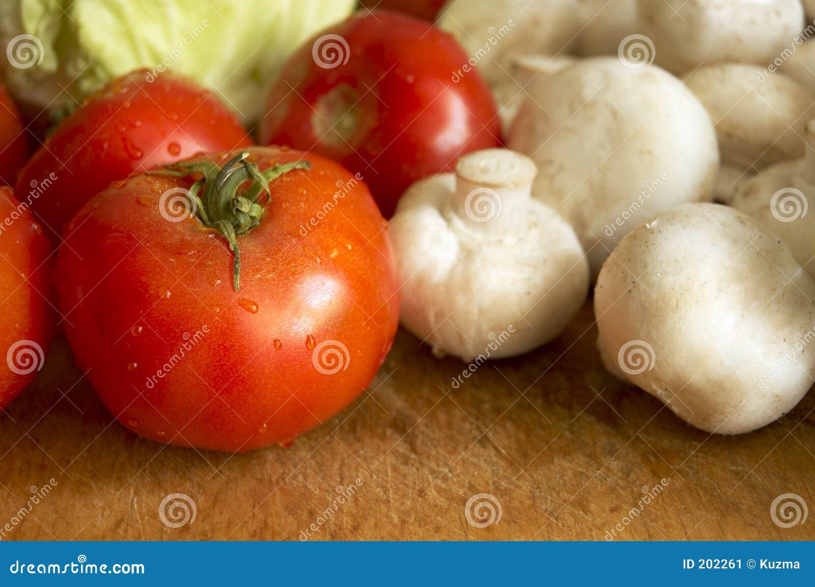Verdure bagnate fresche