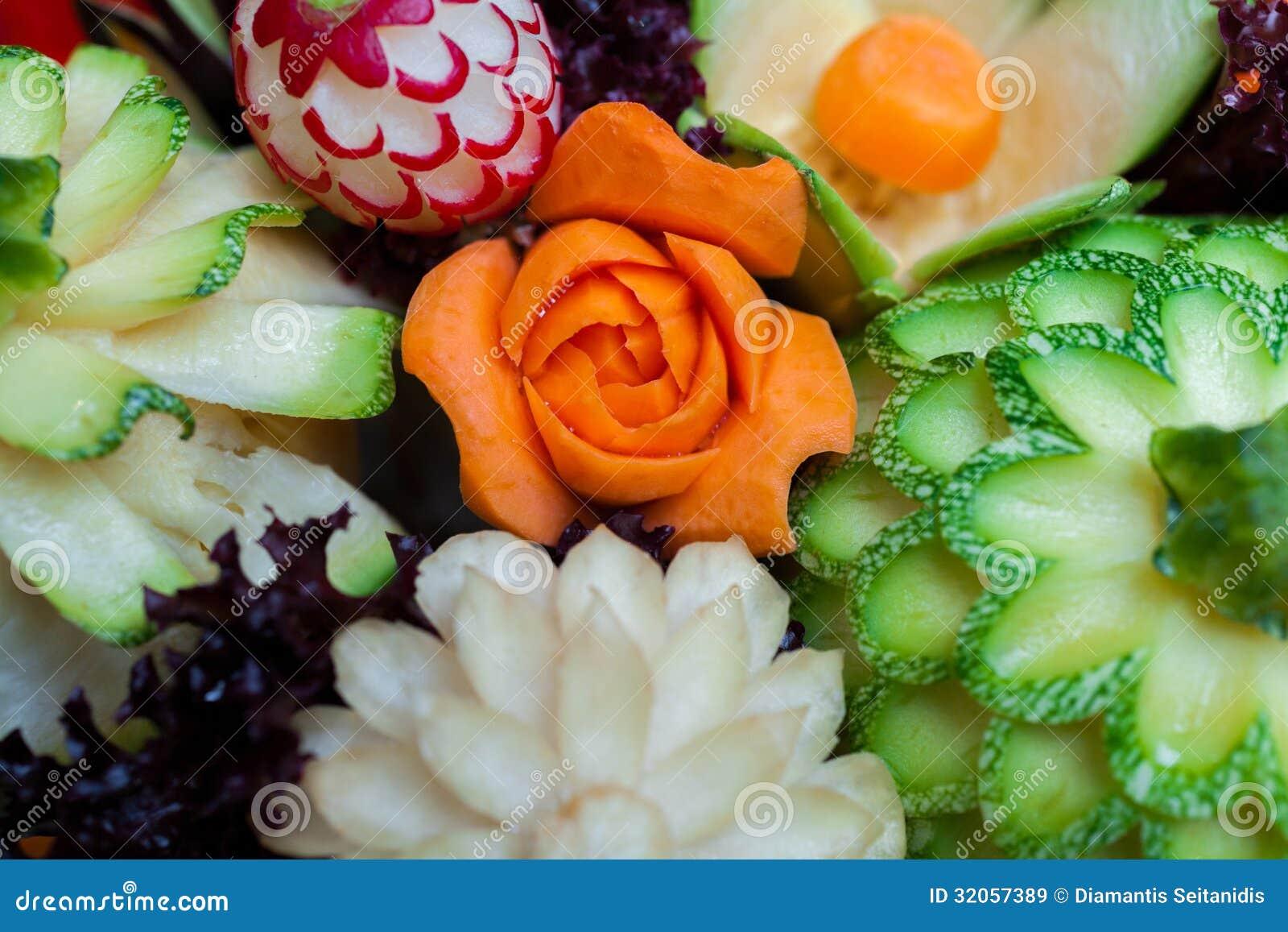 Verdure scolpite immagine stock di carota bello