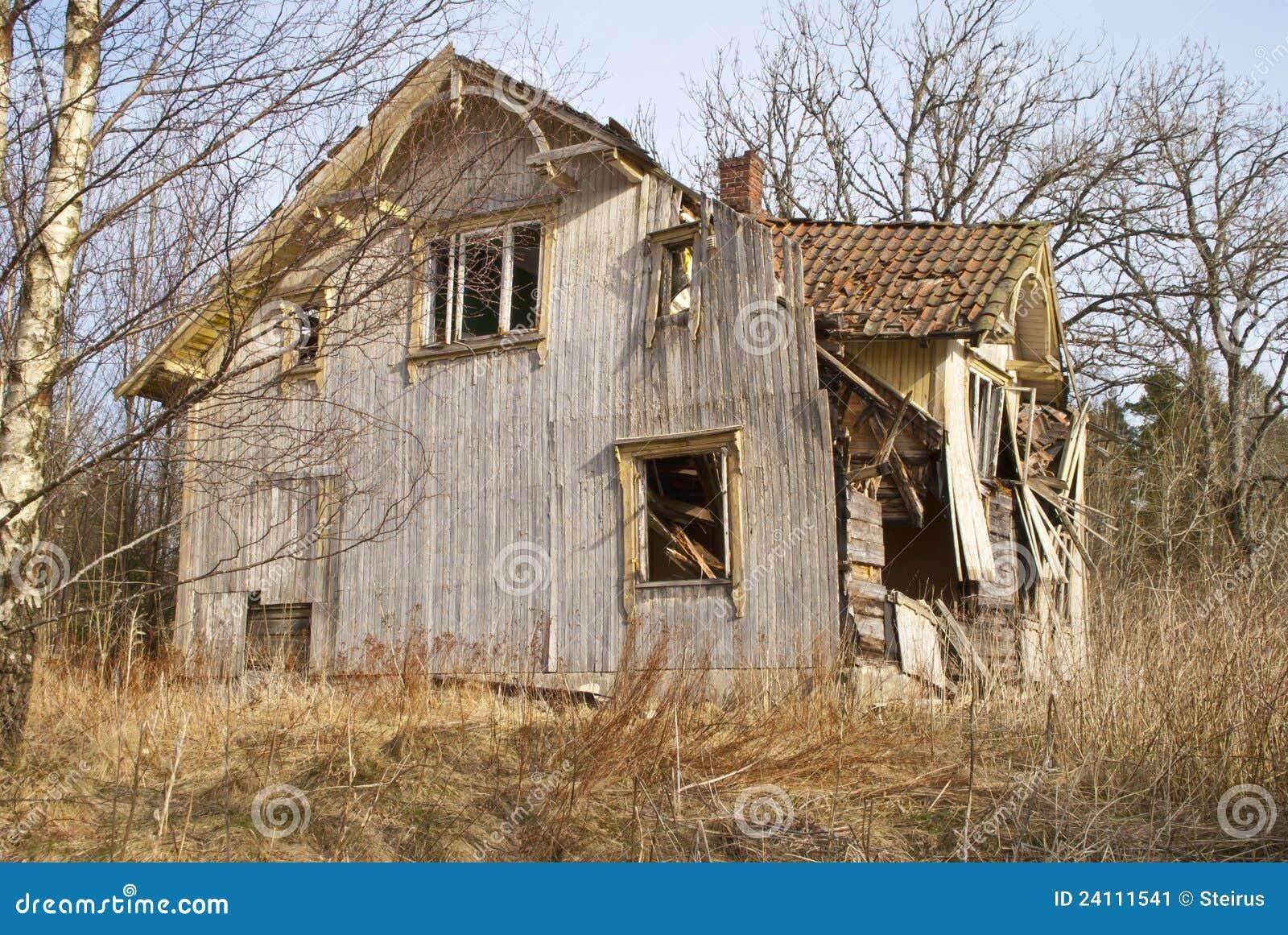 verfallenes haus haupteingang stockbild bild 24111541. Black Bedroom Furniture Sets. Home Design Ideas