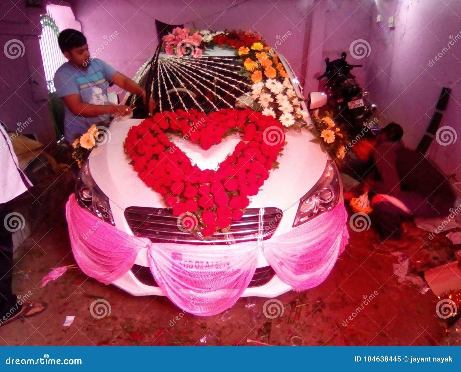 Download Verfraai auto redactionele afbeelding. Afbeelding bestaande uit huwelijk - 104638445