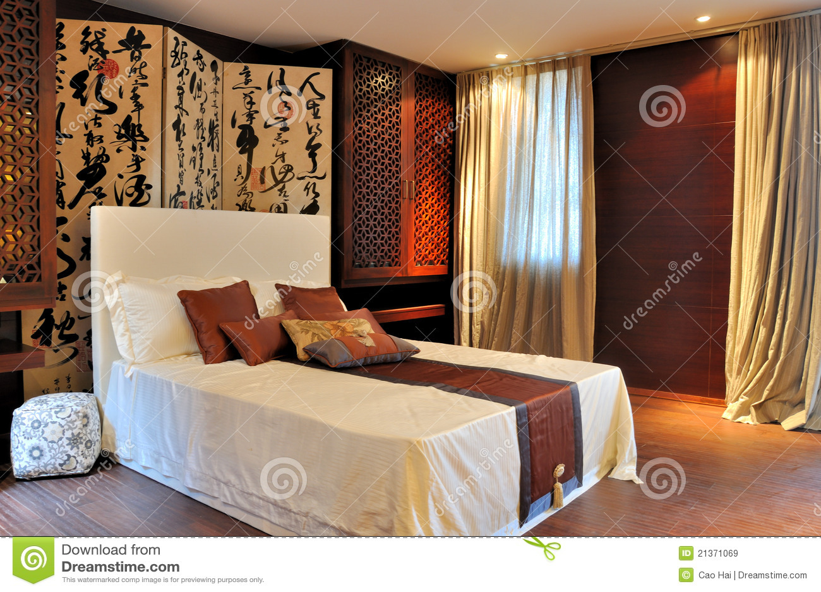 ... vrije Stock Afbeeldingen: Verfraaide slaapkamer in oosterse luxestijl