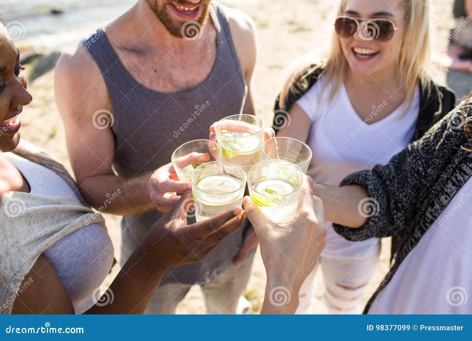 Verfrissing met cocktails