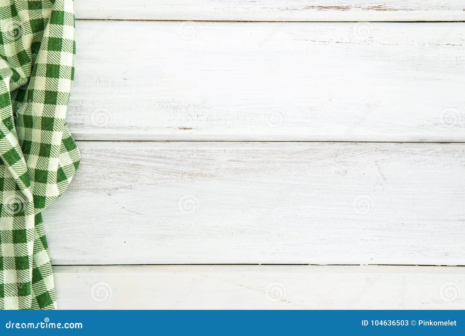 Download Verfrommeld Groen Geruit Tafelkleed Of Servet Op Het Lege Wit Stock Afbeelding - Afbeelding bestaande uit exemplaar, ruimte: 104636503