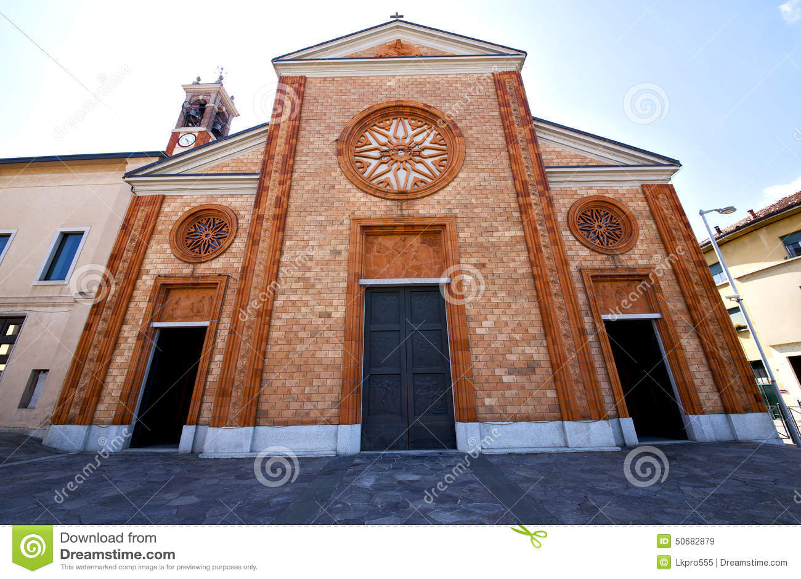 Download Vergiate老闭合的砖塔意大利lomba的教会 库存图片. 图片 包括有 安全性, 纪念碑, 工厂, 历史记录 - 50682879