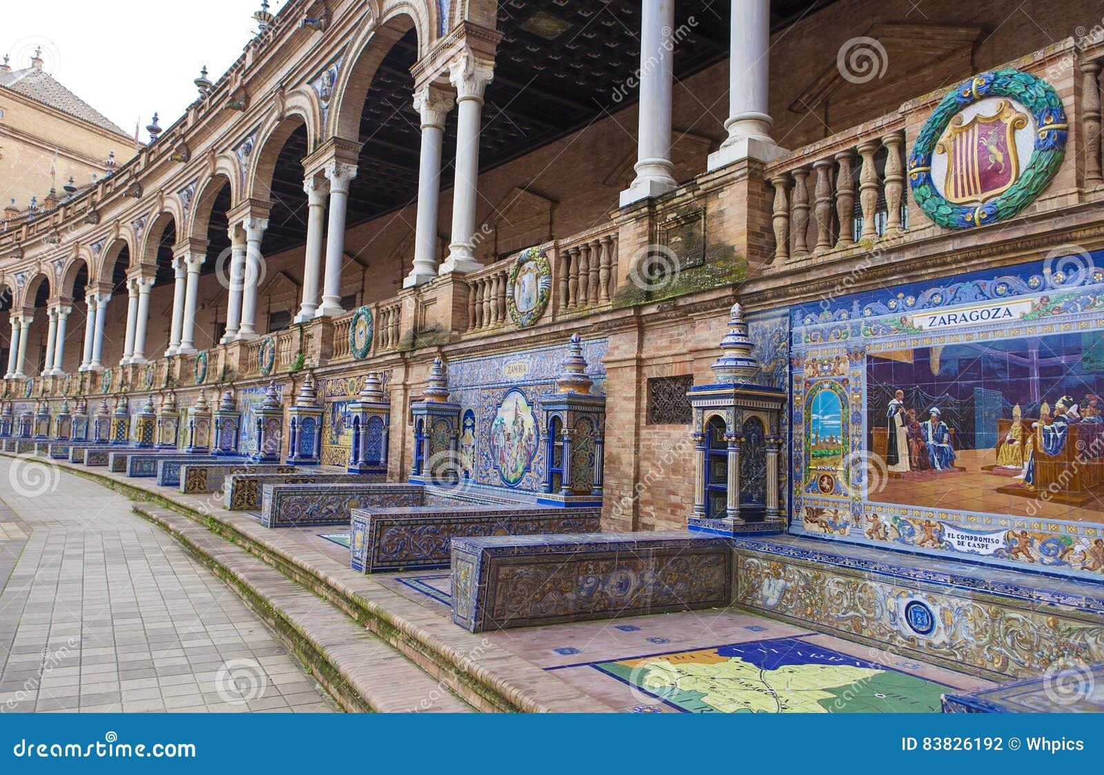 Verglaasde tegelsbank van Spaanse provincies