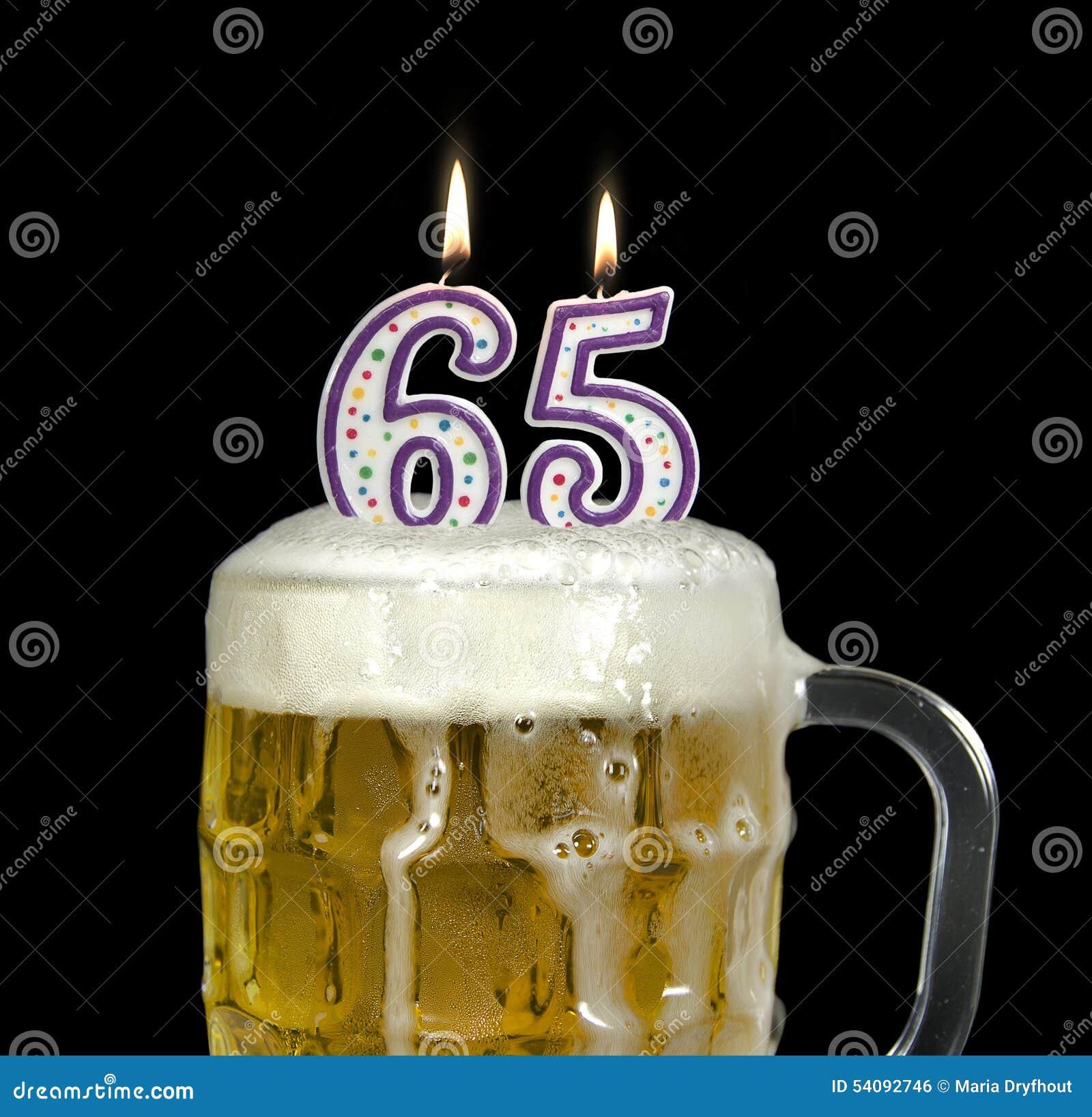 Verjaardagsbier Voor 65ste Verjaardag Stock Foto Afbeelding