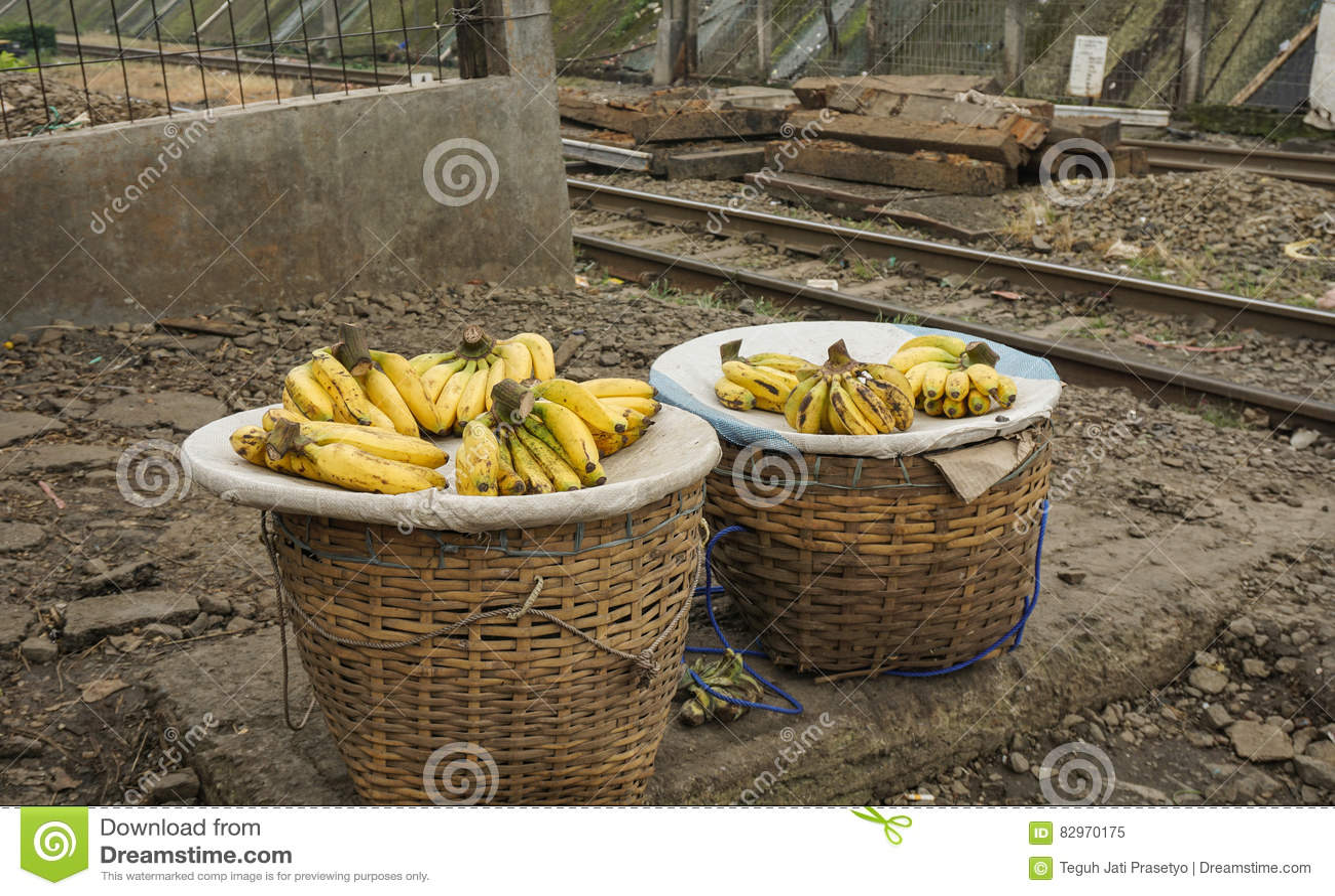 Verkauf Banane als Indonesien-` s tropische Lieblingsfrucht Foto eingelassenes Bogor