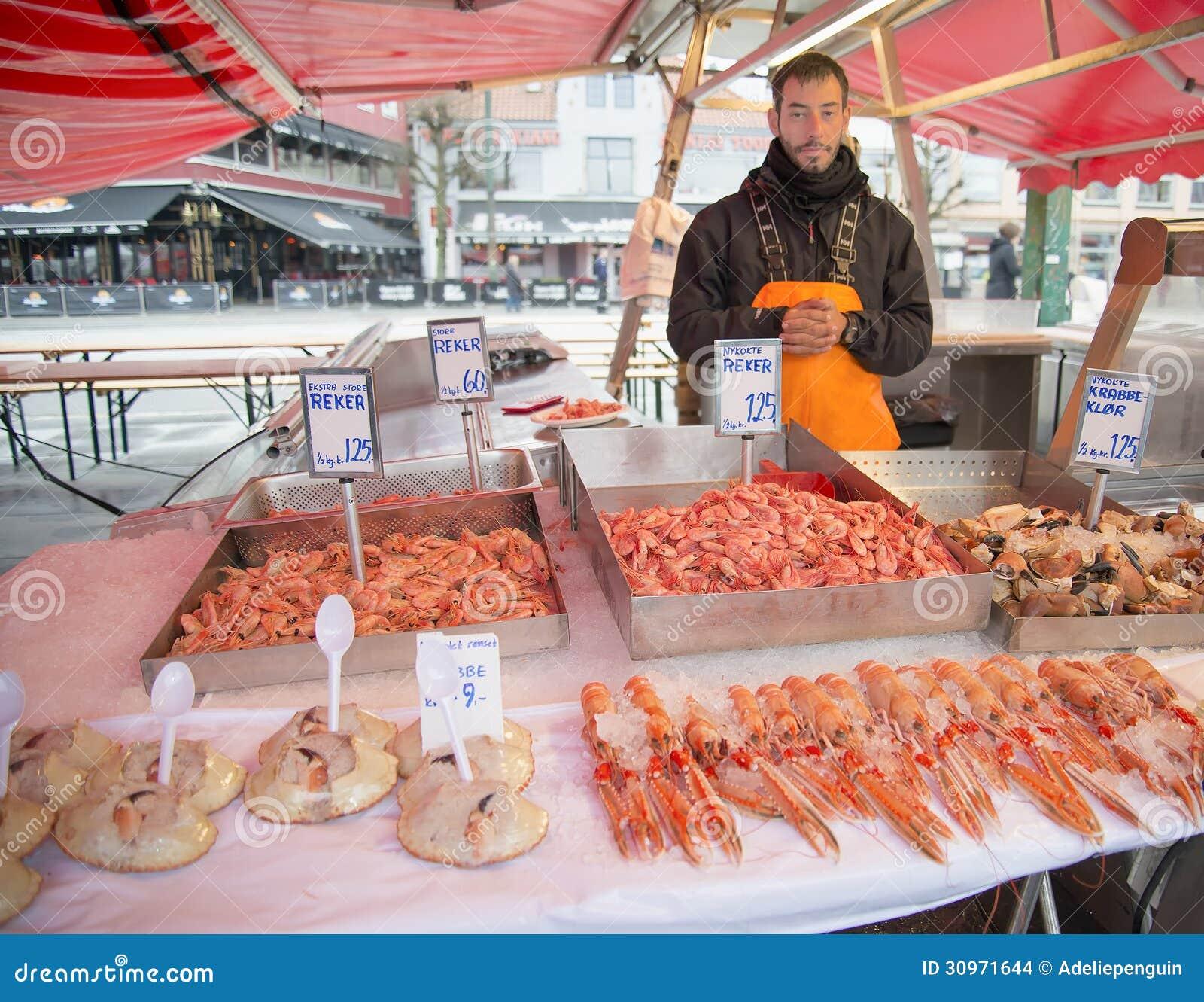 Verkauf von Schalentieren, Fischmarkt, Bergen, Norwegen
