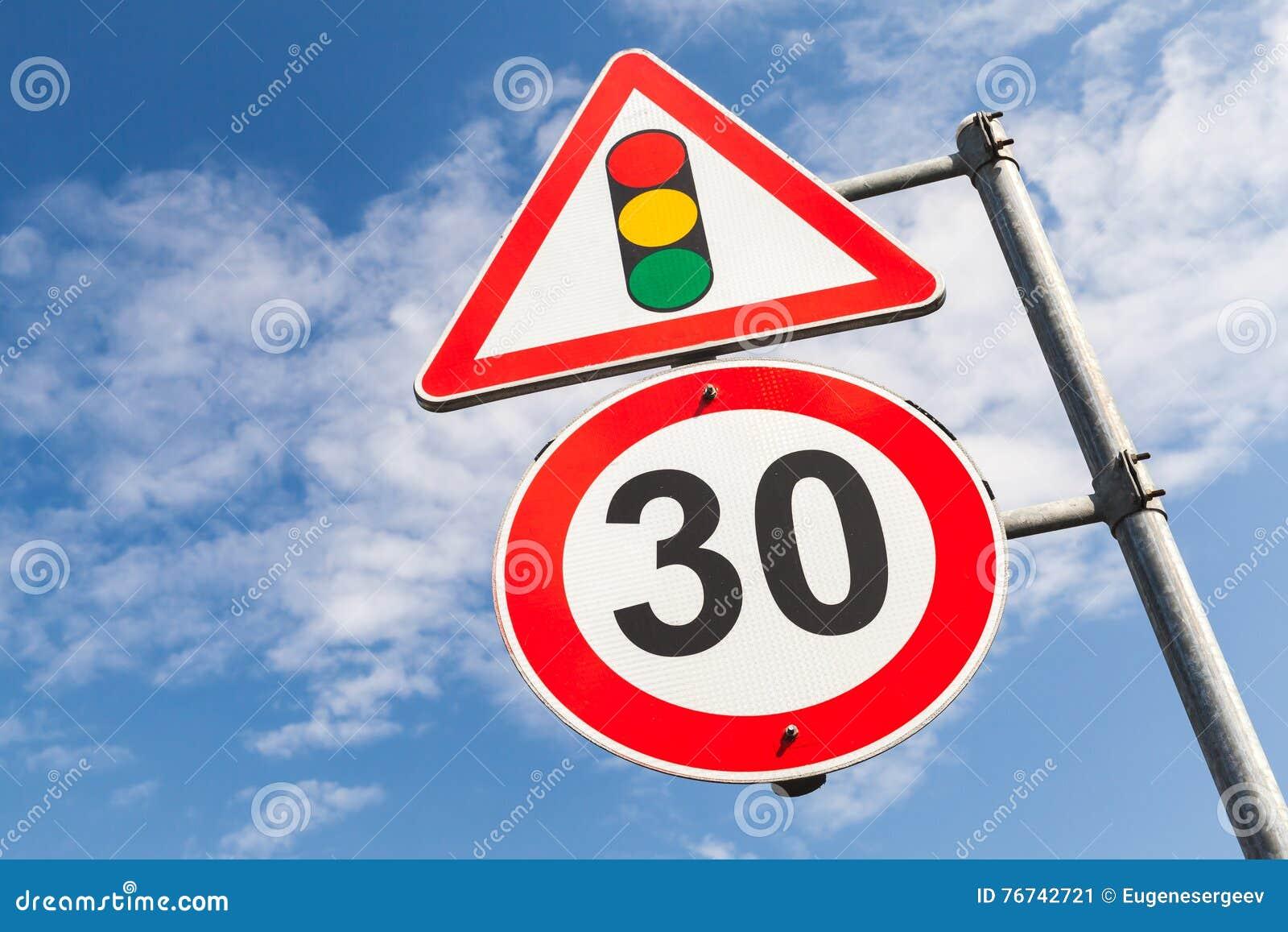 Verkeerslichten en maximum snelheid 30 km per uur