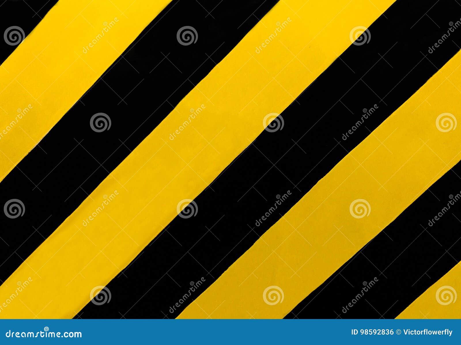 Verkehrszeichen: Ein rechteckiges Zeichen mit diagonalen gelben und schwarzen Streifen, wohin es einen Medianwert oder andere Beh