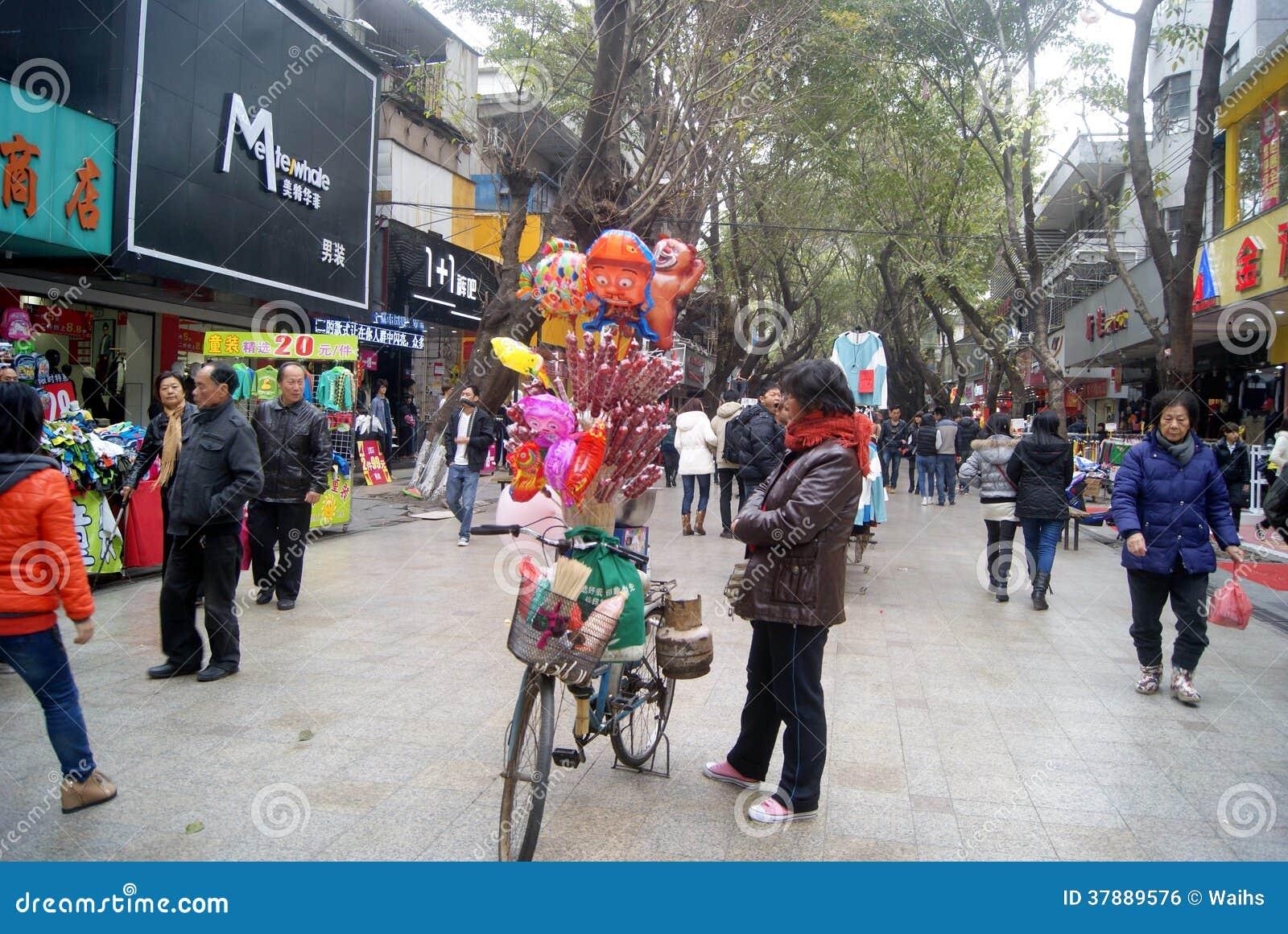 Verkopende ijs-suiker pompoen en ballons in China