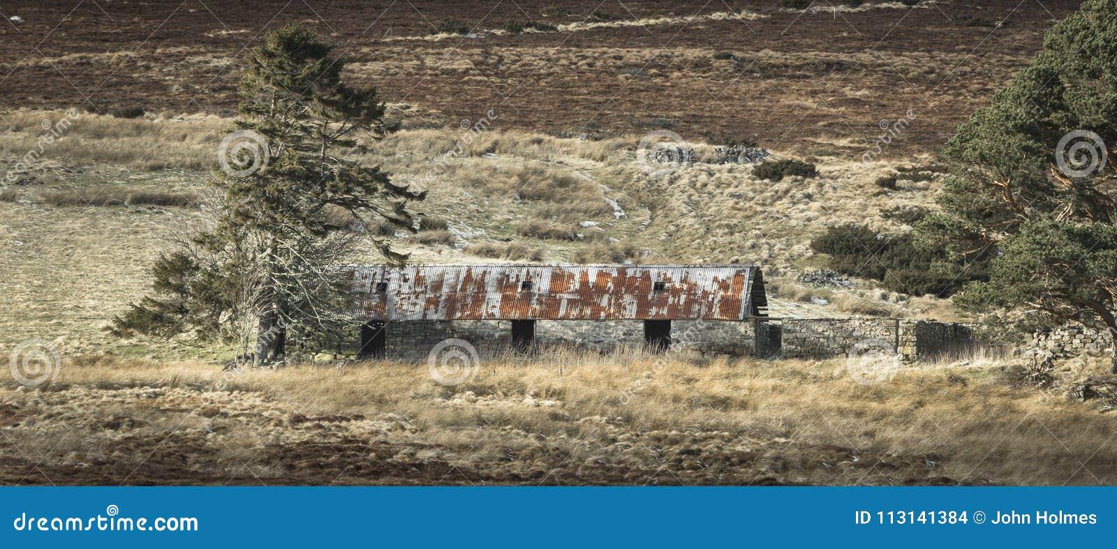 Verlassene Kate von Ostern Crannich auf Dava Moor in Schottland