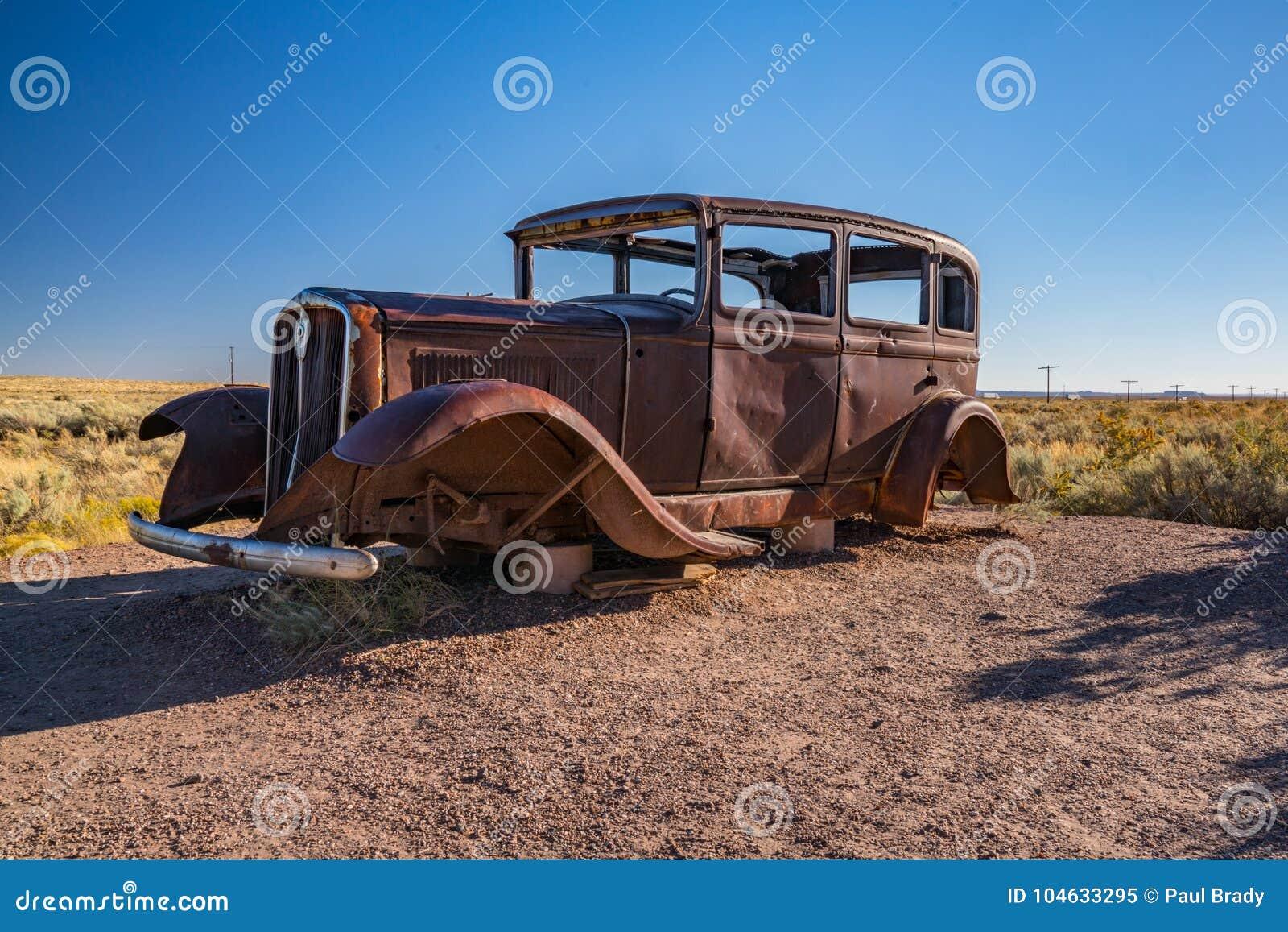 Download Verlaten Auto In Van Angst Verstijfd Forest National Park Langs Route 66 Stock Afbeelding - Afbeelding bestaande uit schroot, reis: 104633295