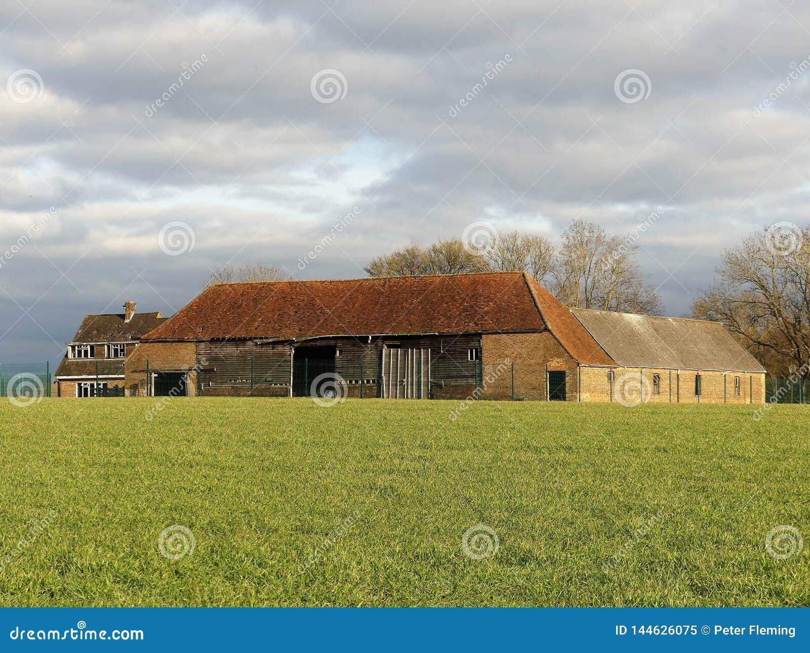 Verlaten landbouwbedrijfgebouwen in Nieuw ModelFarm, Sarratt