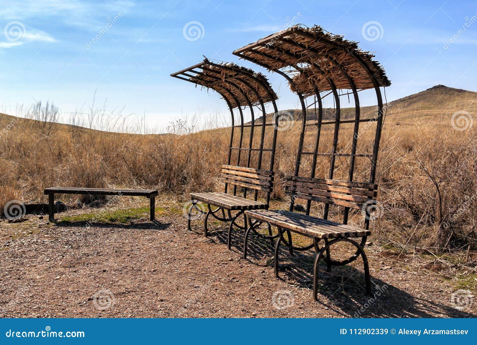 Verlaten plaatsen voor recreatie het begin van het wild