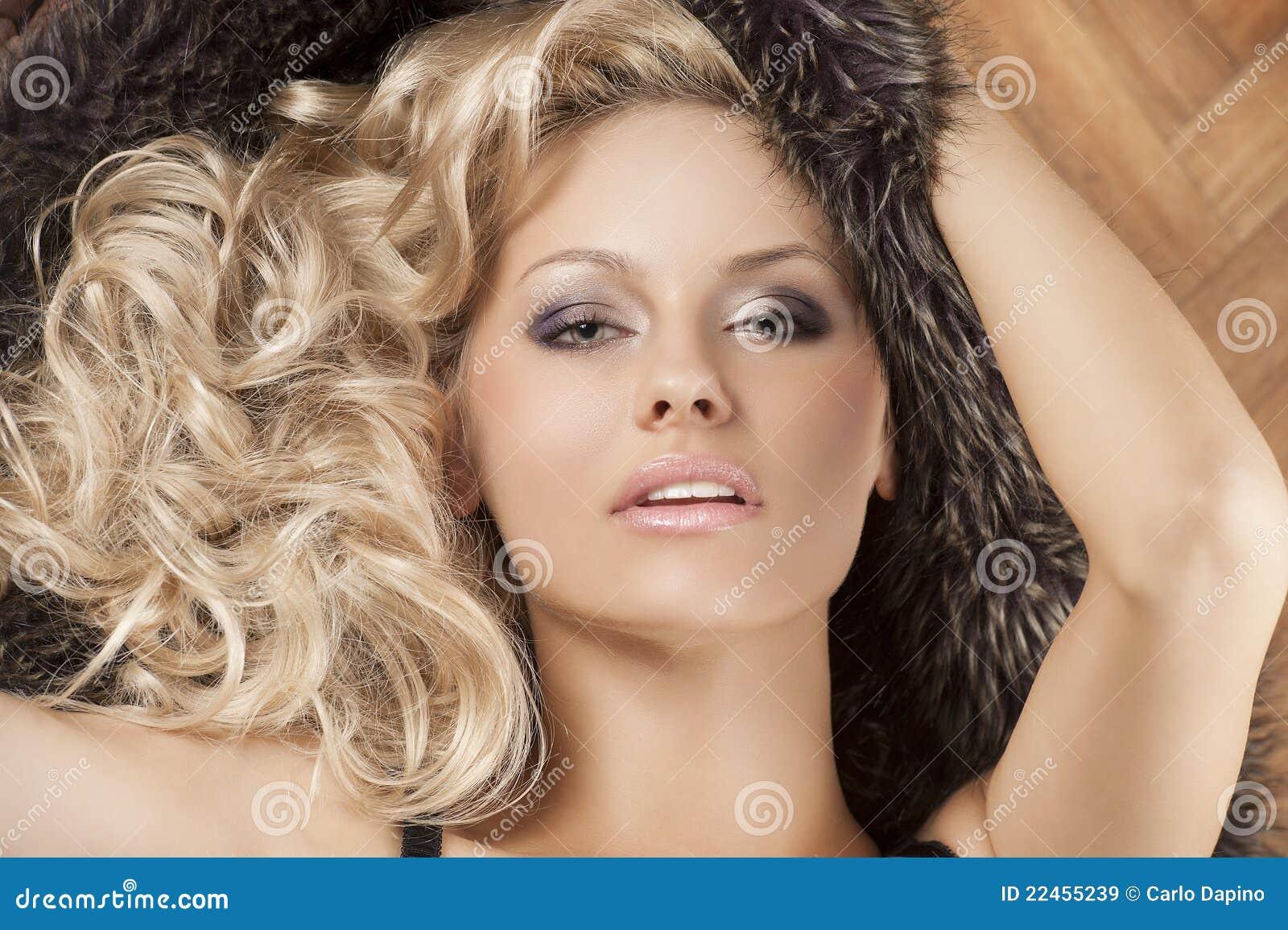 blondi MILF lesbo seksiä tuore Teini Seksi putket