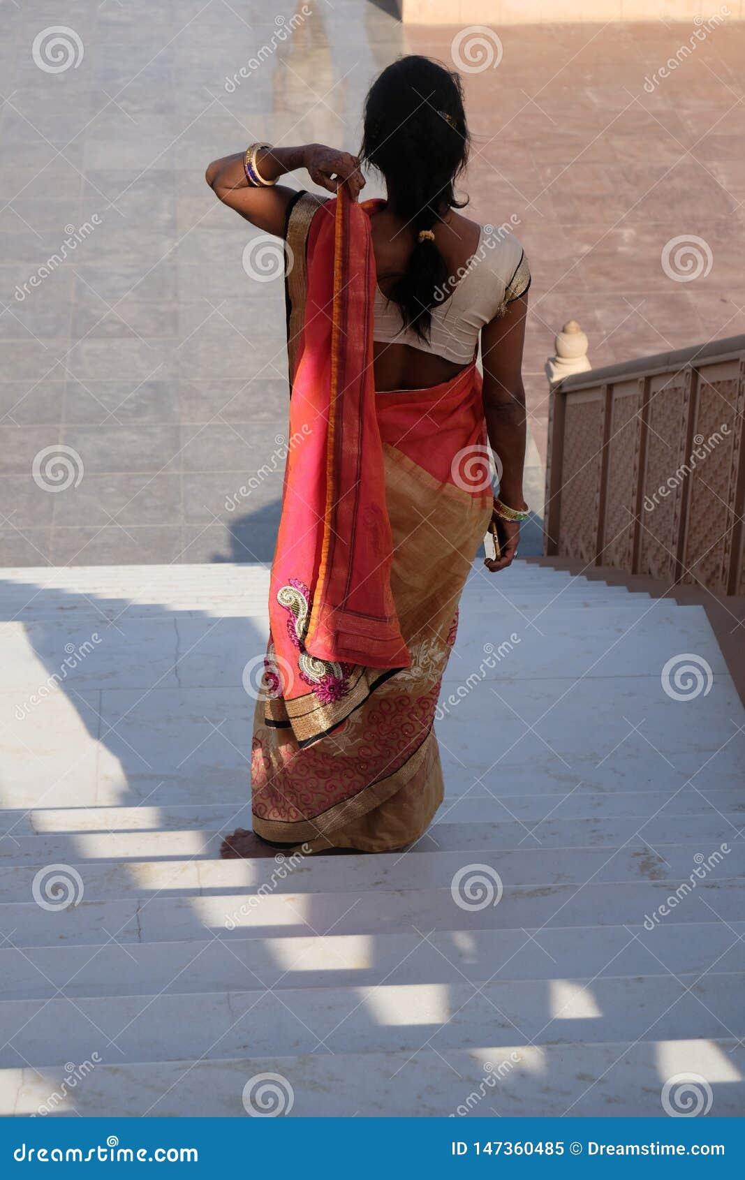 Verloren vrouw in Rajasthan, India