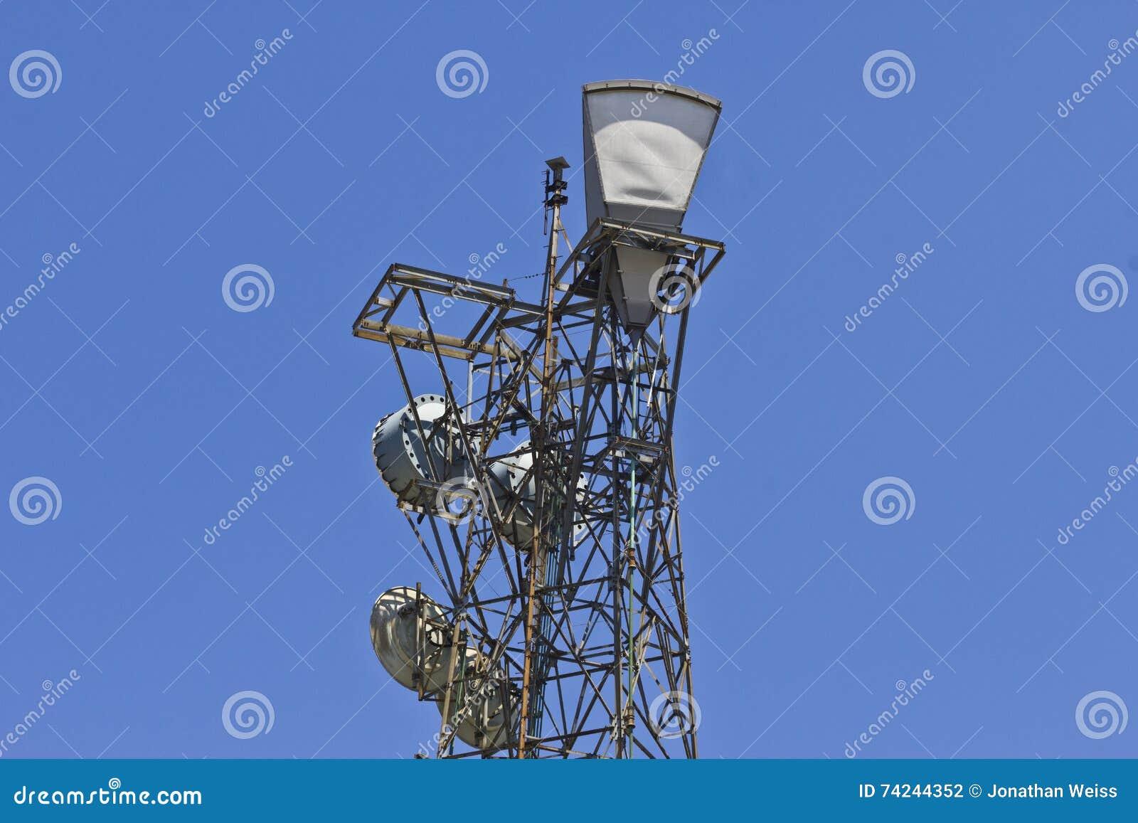 Vermächtnis-Mikrowellen-Turm benutzt, um Telekommunikations-relative Satznummern zu verbinden II
