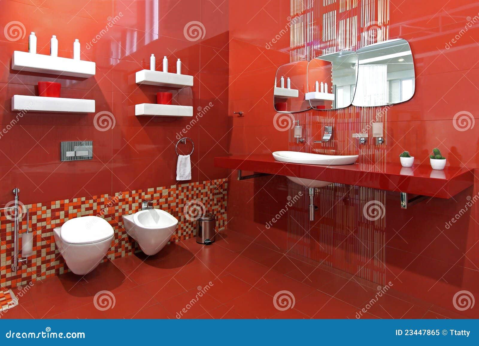 Banheiro moderno com as paredes cerâmicas vermelhas e dispositivos  #83281D 1300 957