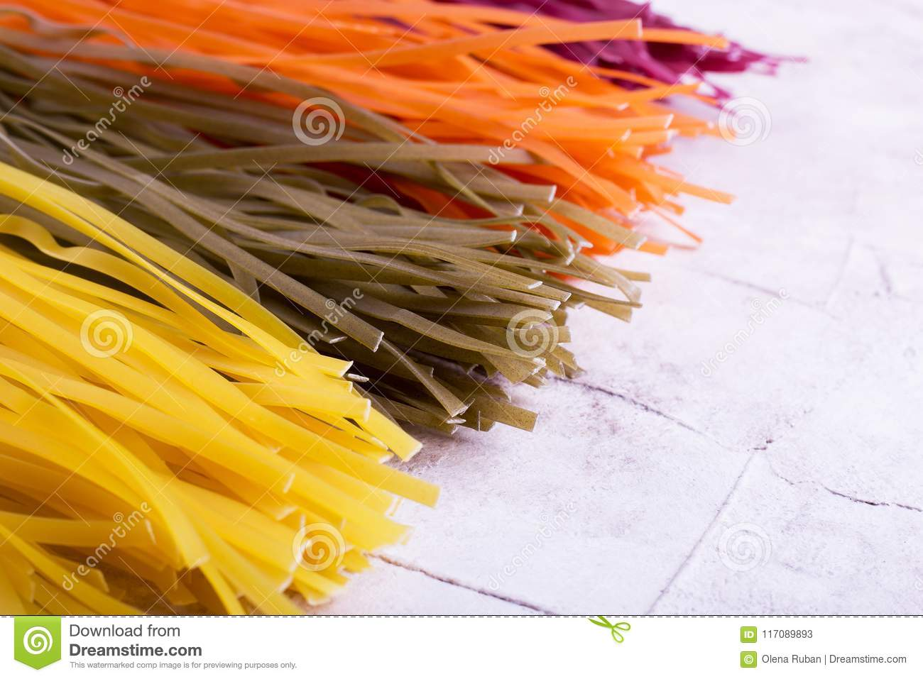 Vermicelli of four colorful flowers