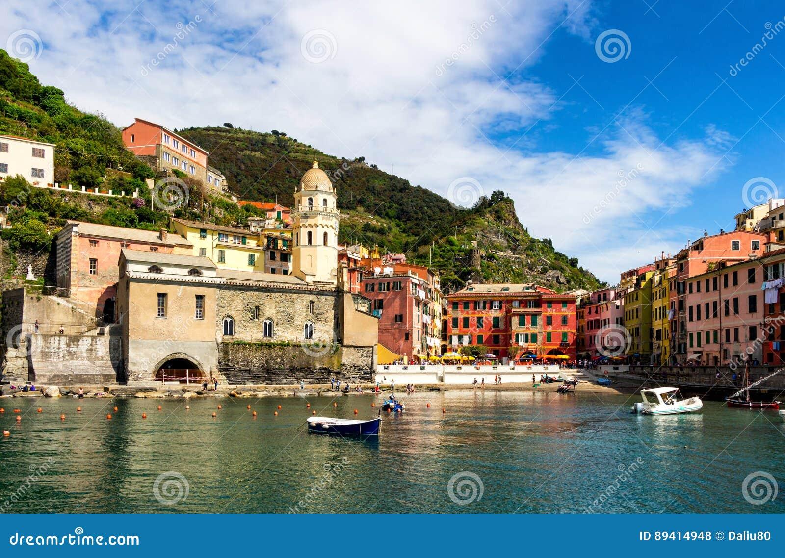 Vernazza em Cinque Terre, Liguria, Itália