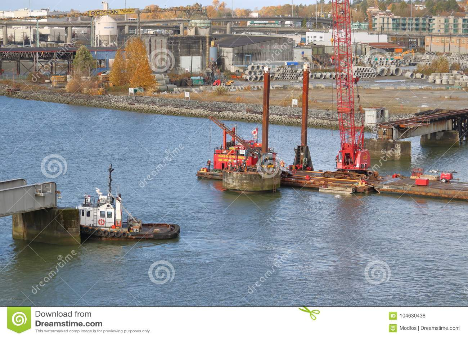 Download Vernielingsbemanning En Marpole-Schommelingsbrug Redactionele Stock Foto - Afbeelding bestaande uit spanwijdte, boot: 104630438