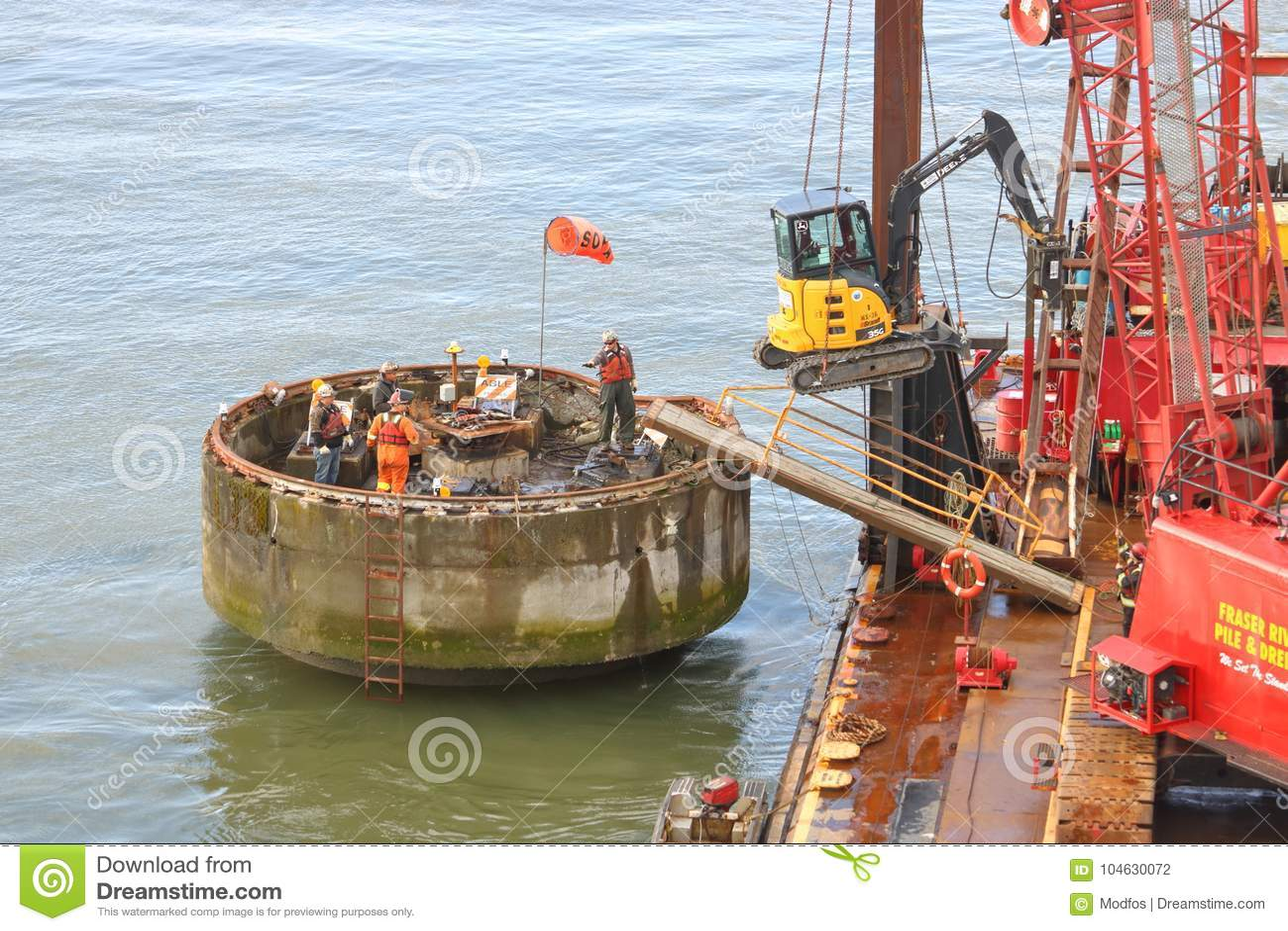 Download Vernielingsbemanning En Uniek Project Redactionele Fotografie - Afbeelding bestaande uit vernieling, spoorweg: 104630072