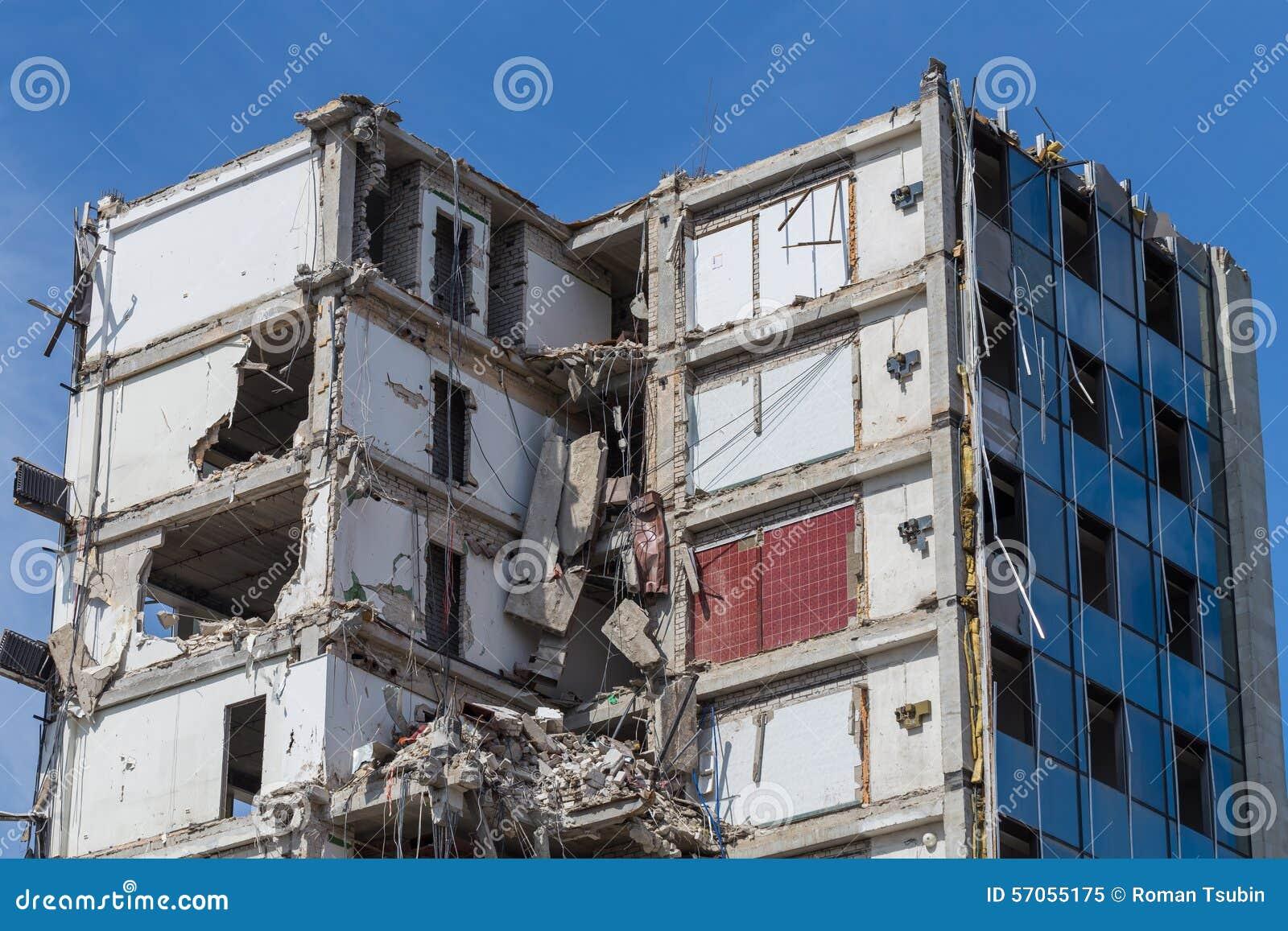 Vernietigd huis vóór wederopbouw