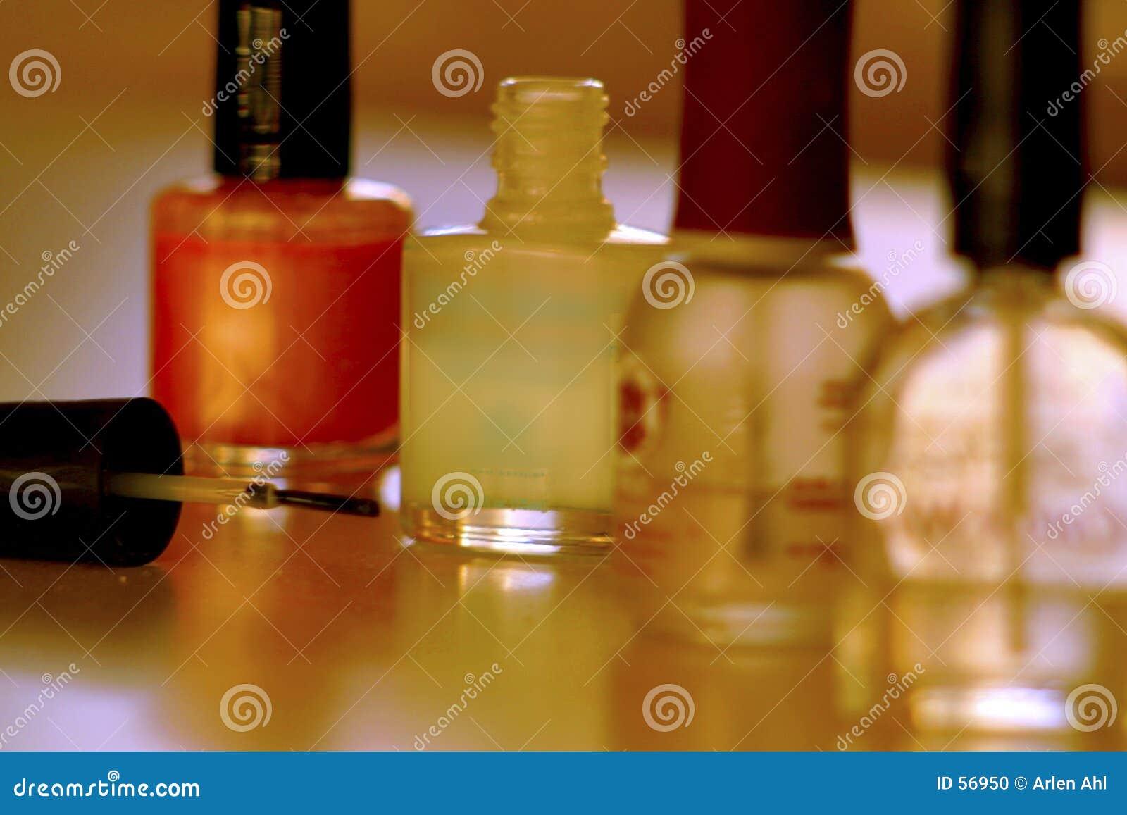Download Vernis à ongles 1 photo stock. Image du poli, vernis, aides - 56950