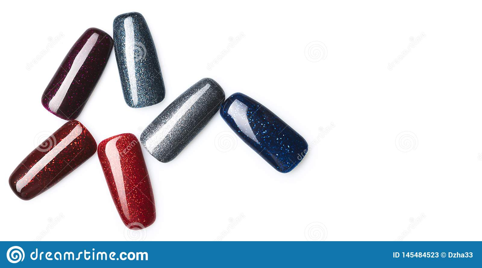 Vernis ? ongles avec le scintillement dans la couleur en pastel diff?rente de mode La laque color?e de clou dans les astuces a is