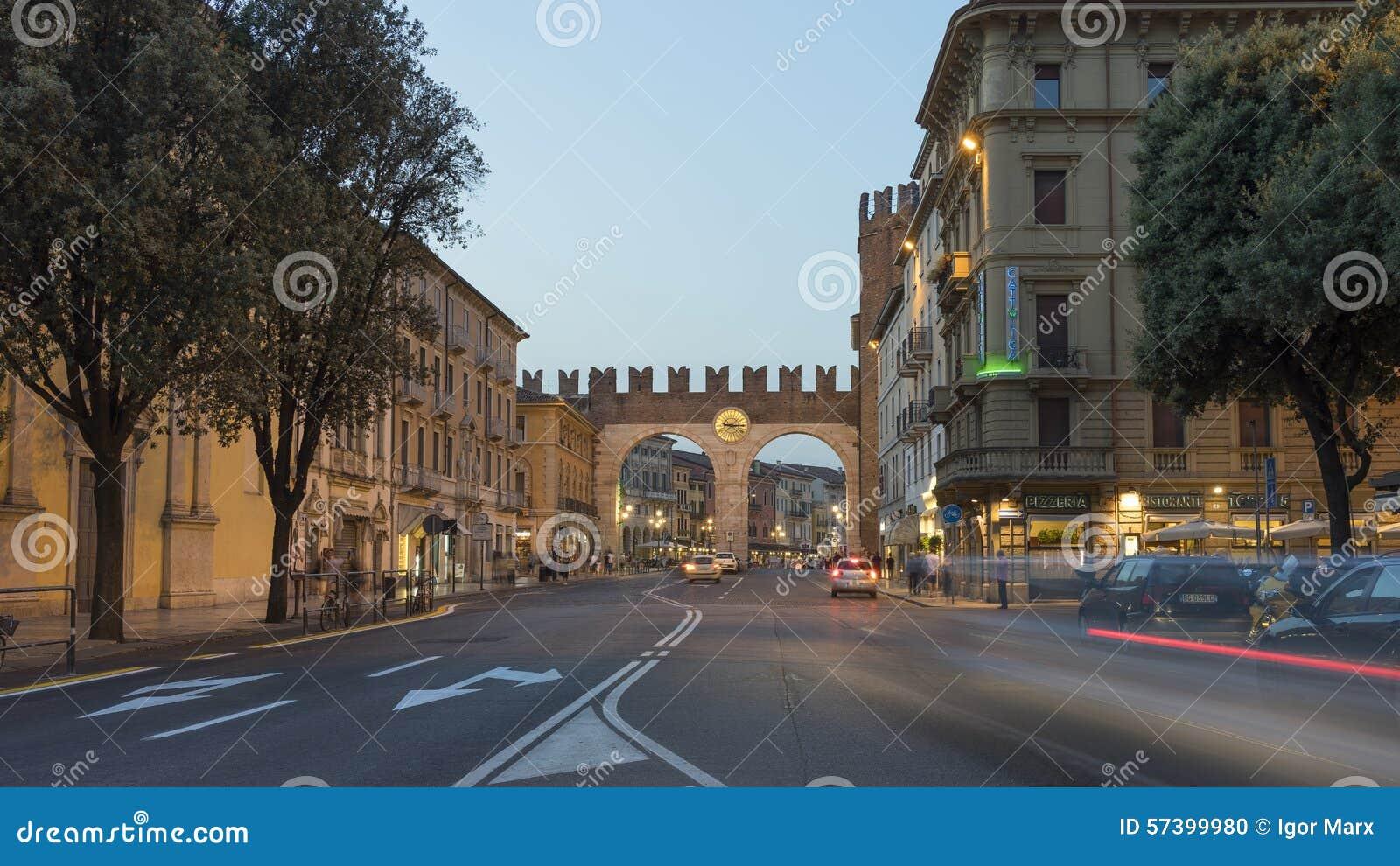 Verona bij de zomeravond