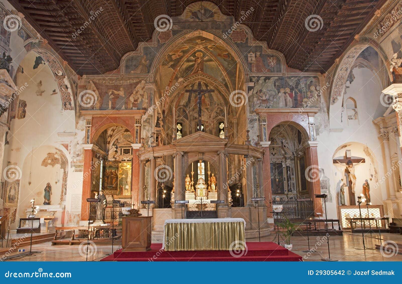 verona interno della chiesa san fermo maggiore