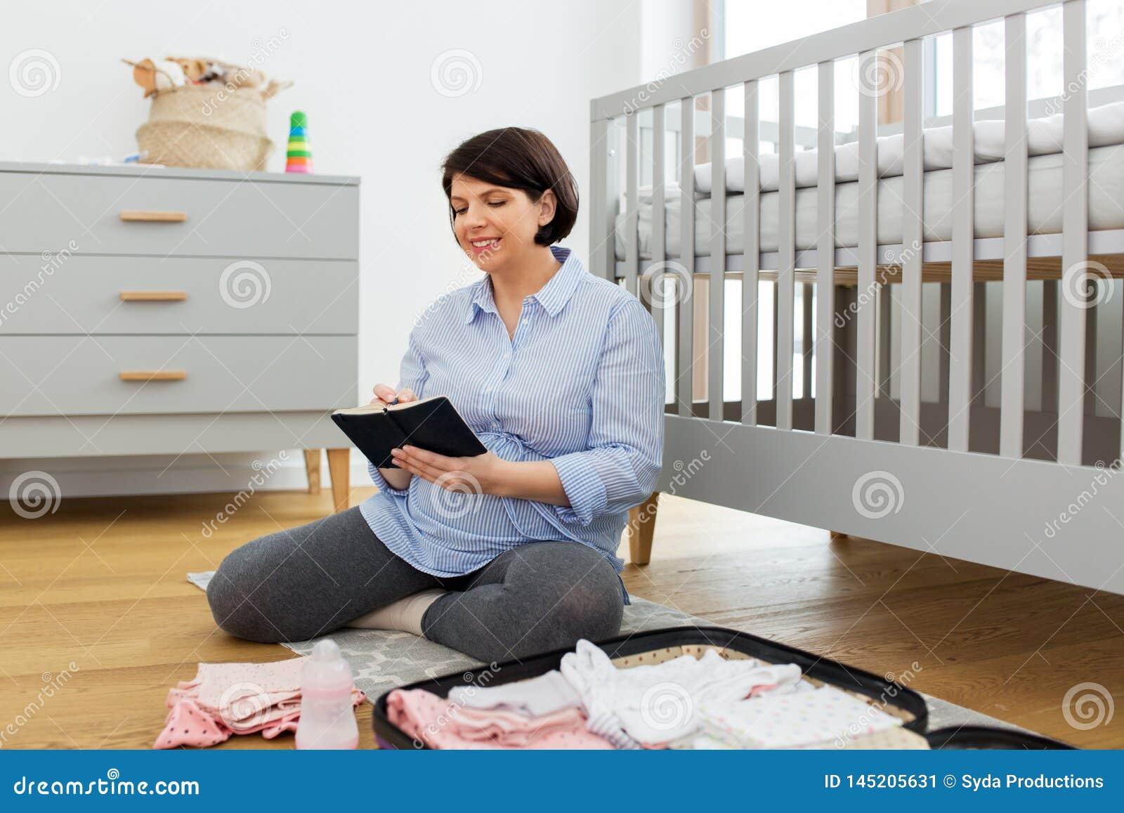 Verpackungstasche der schwangeren Frau f?r Geburtsklinik