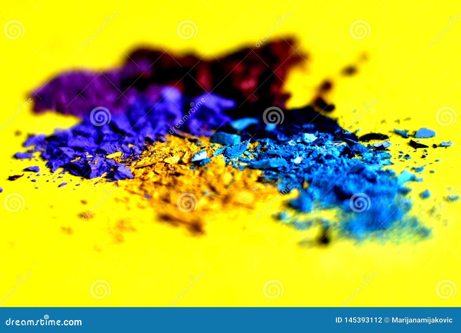 Verpletterd kleurrijk make-uppigment