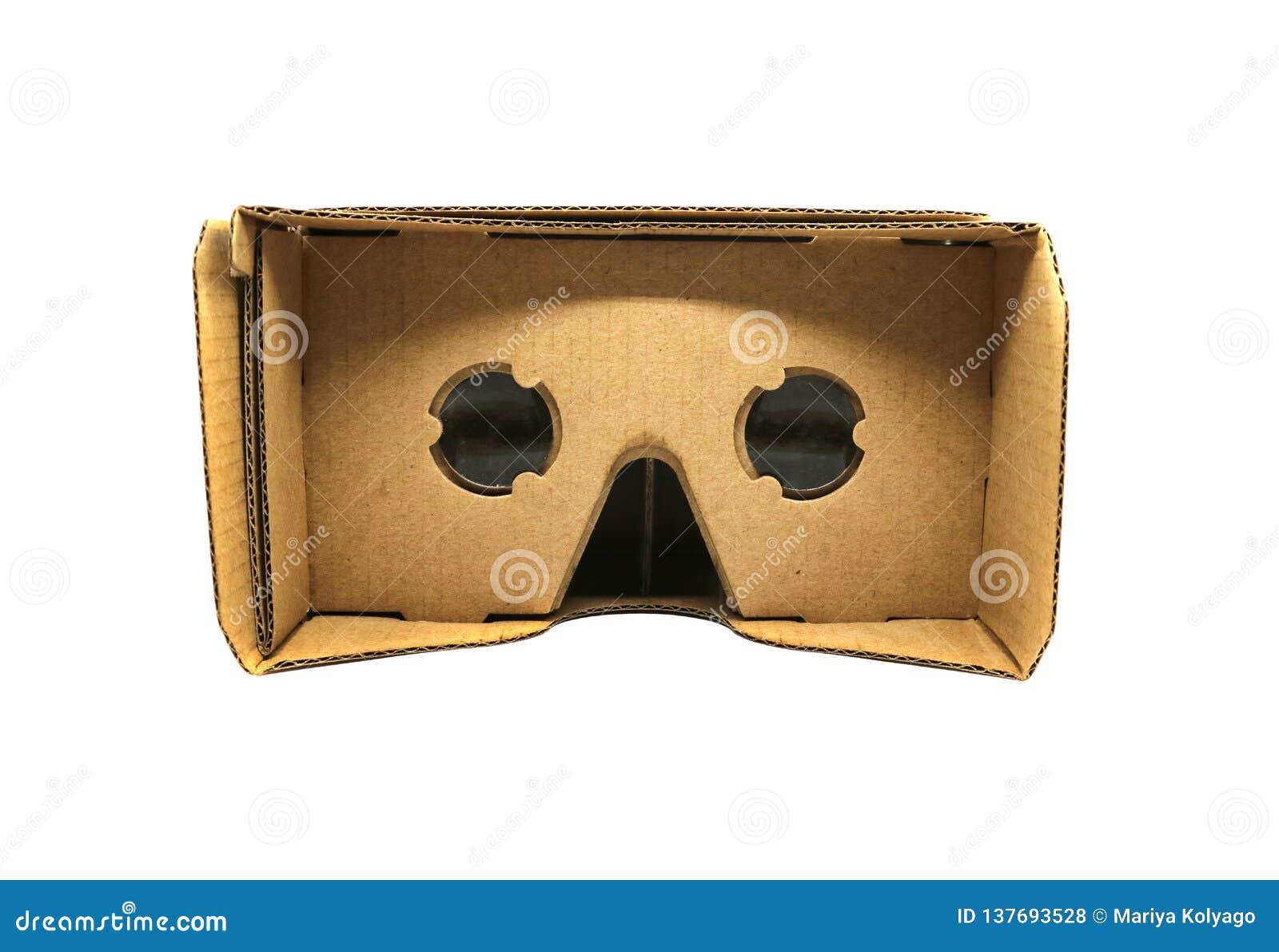 Verres de carton de réalité virtuelle d isolement sur le fond blanc
