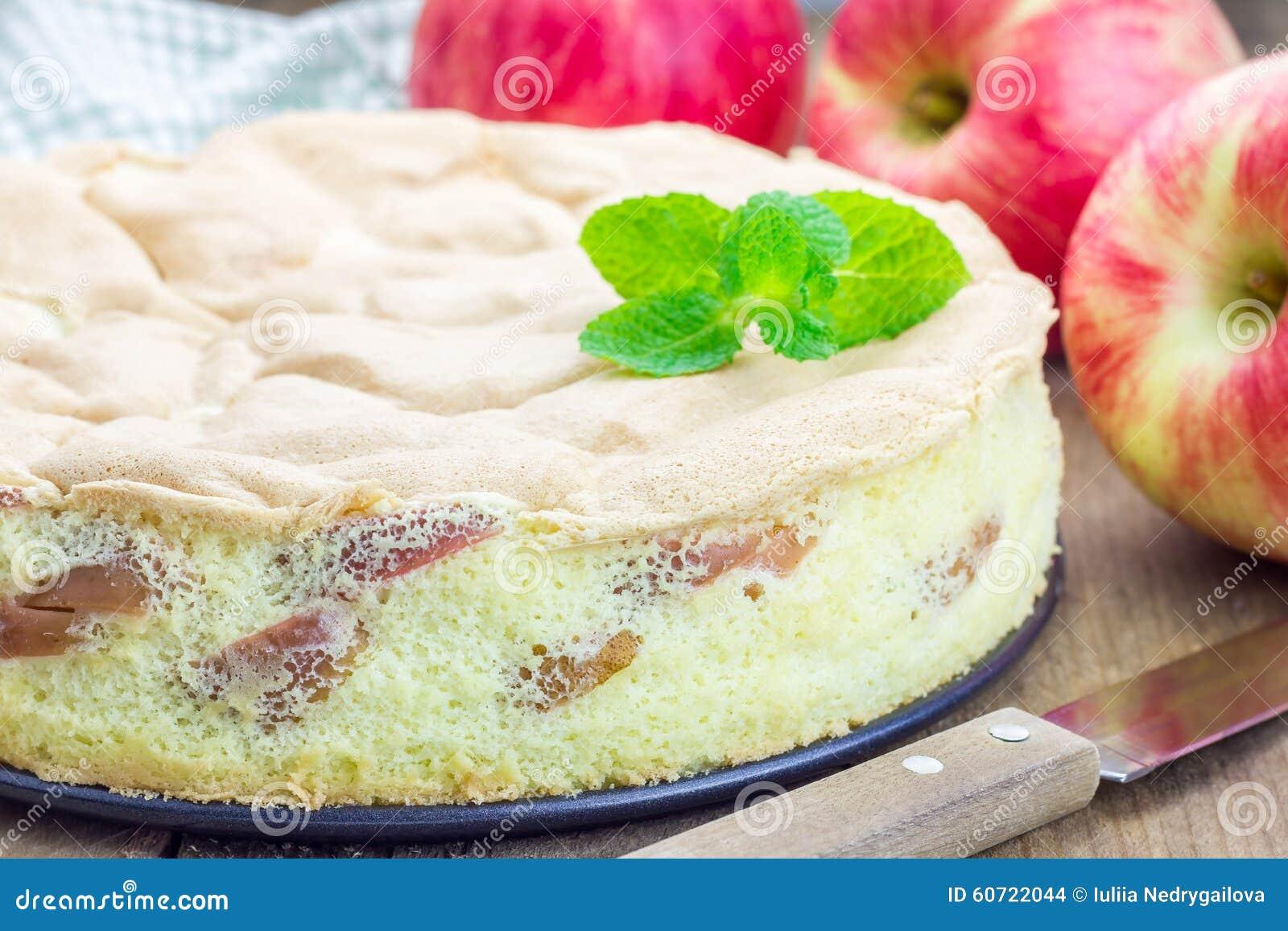 Vers gebakken eigengemaakt appelbiscuitgebak