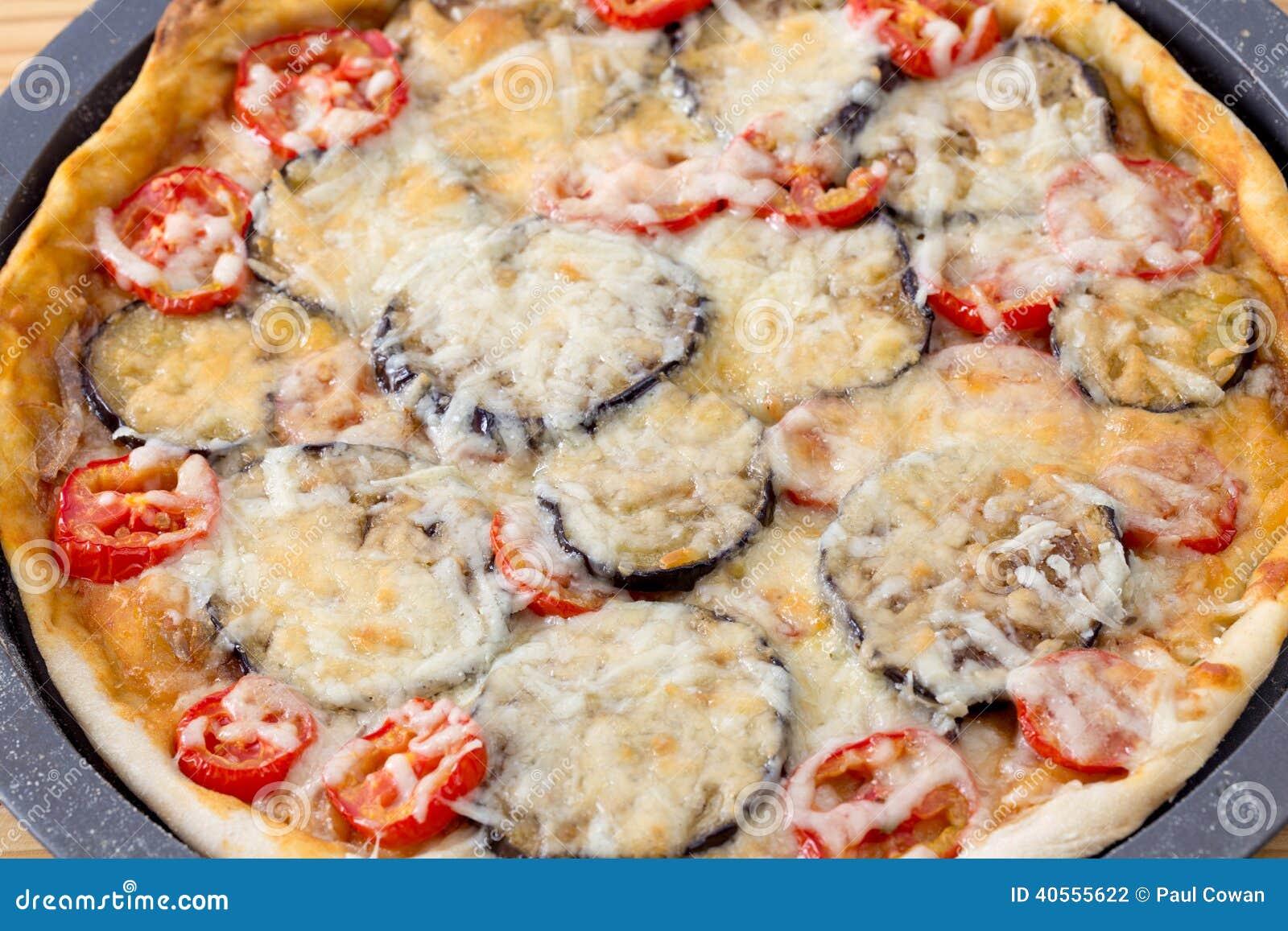 Vers gemaakte pizza van hierboven stock foto afbeelding 40555622 - Hoek maaltijd ...