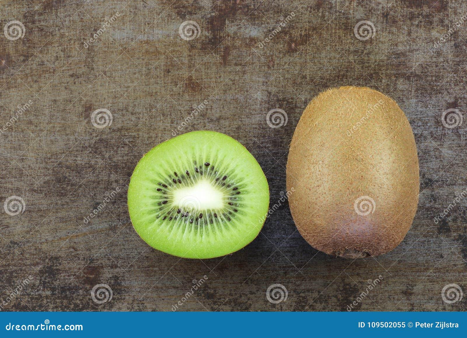 Vers kiwifruit en een besnoeiing