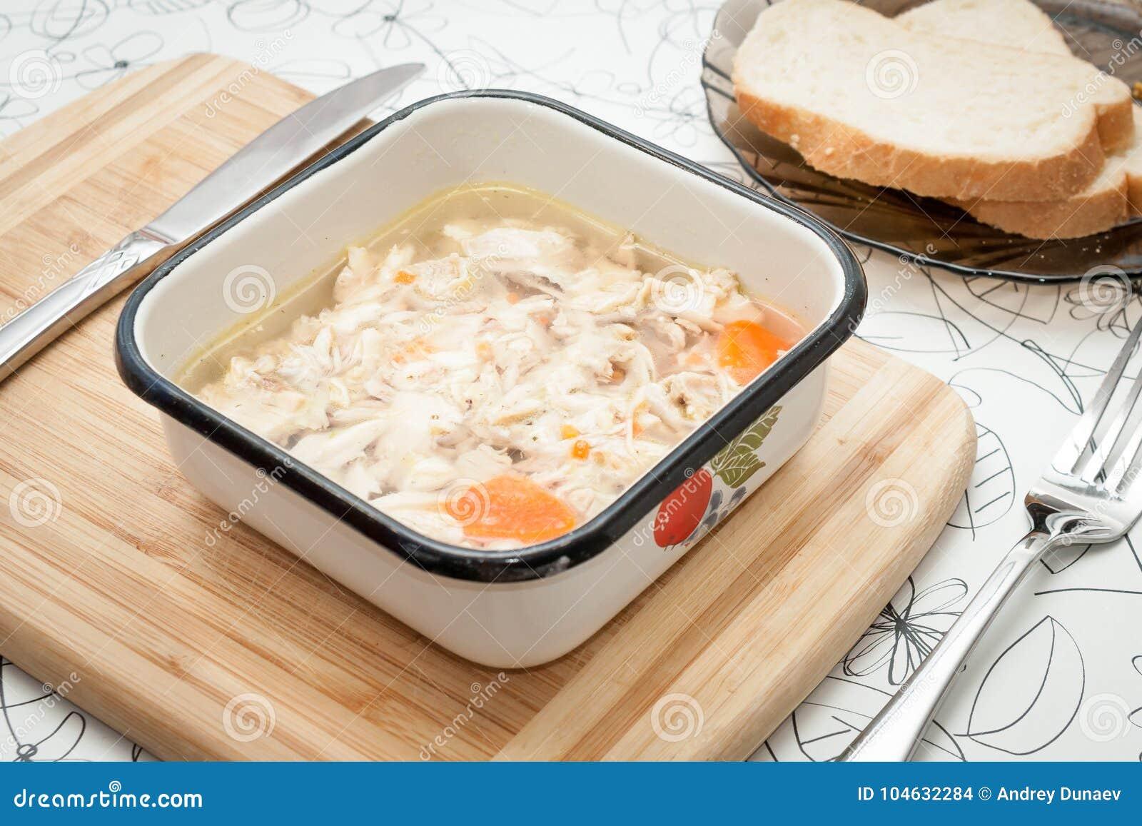 Download Vers Op Gelei Gezet Op Een Lichte Raad Met Mosterd, Ketchup Stock Foto - Afbeelding bestaande uit kuiken, dille: 104632284