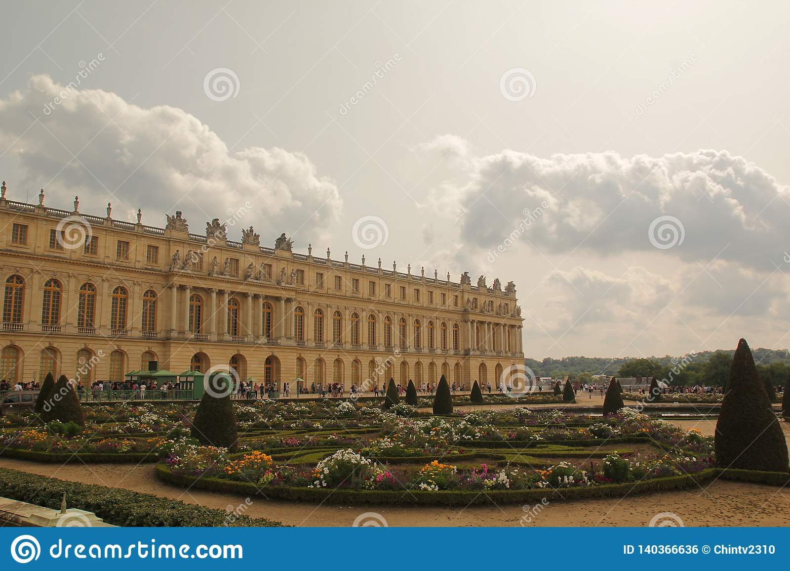 Versailles, Frankreich - August 26,2017: Schönes Schloss mit speziellem Entwurf