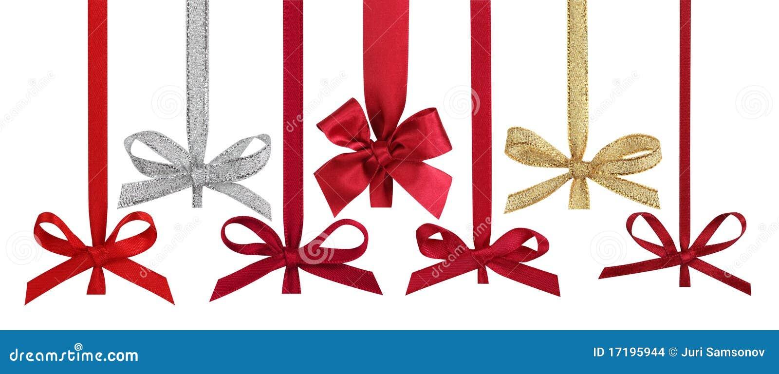 Verschiedene Farbbänder mit Bögen für Weihnachtskugeln.