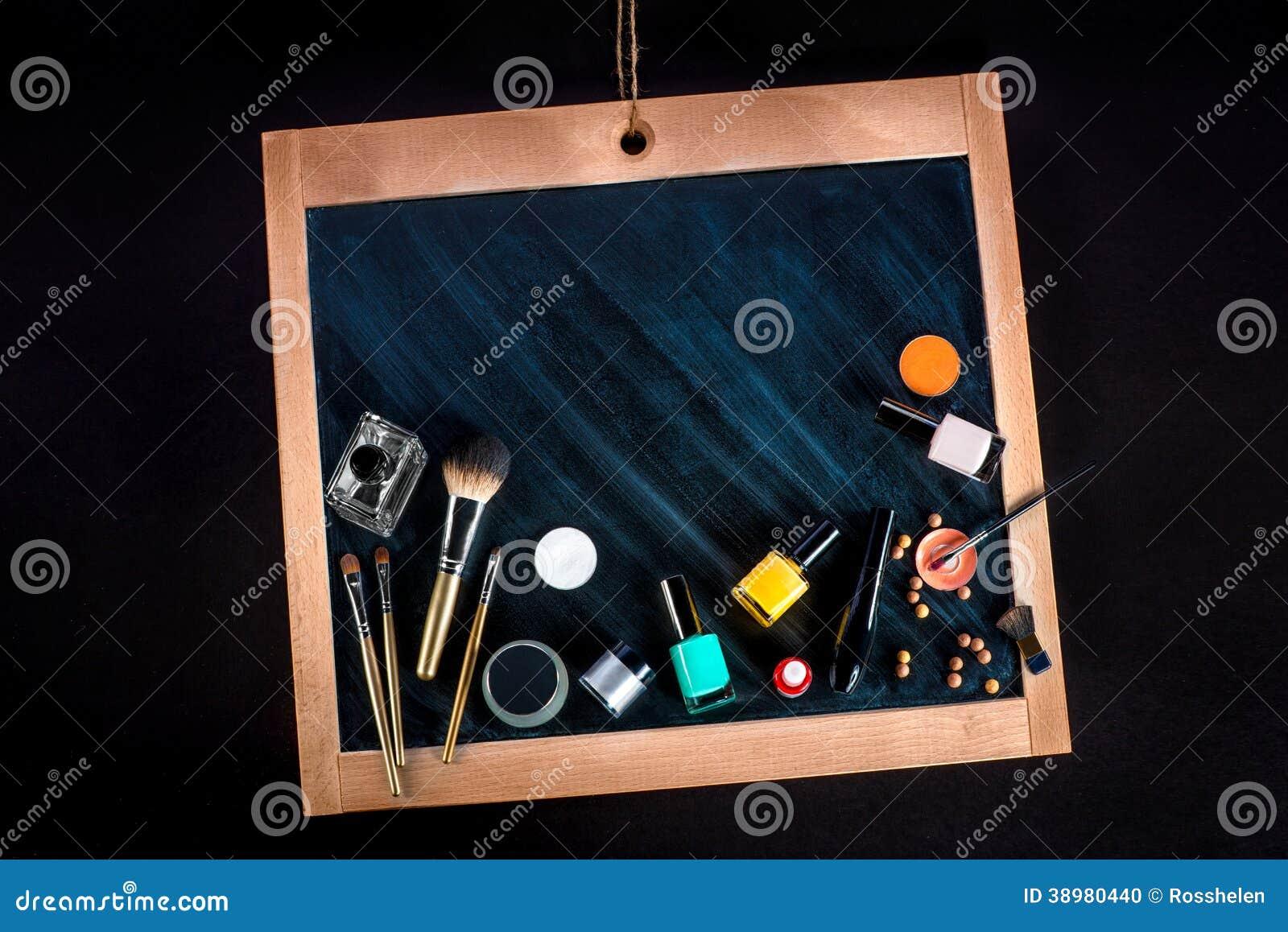 Make Up Tafel : Verschiedene kosmetik und make up auf tafel stockfoto bild von