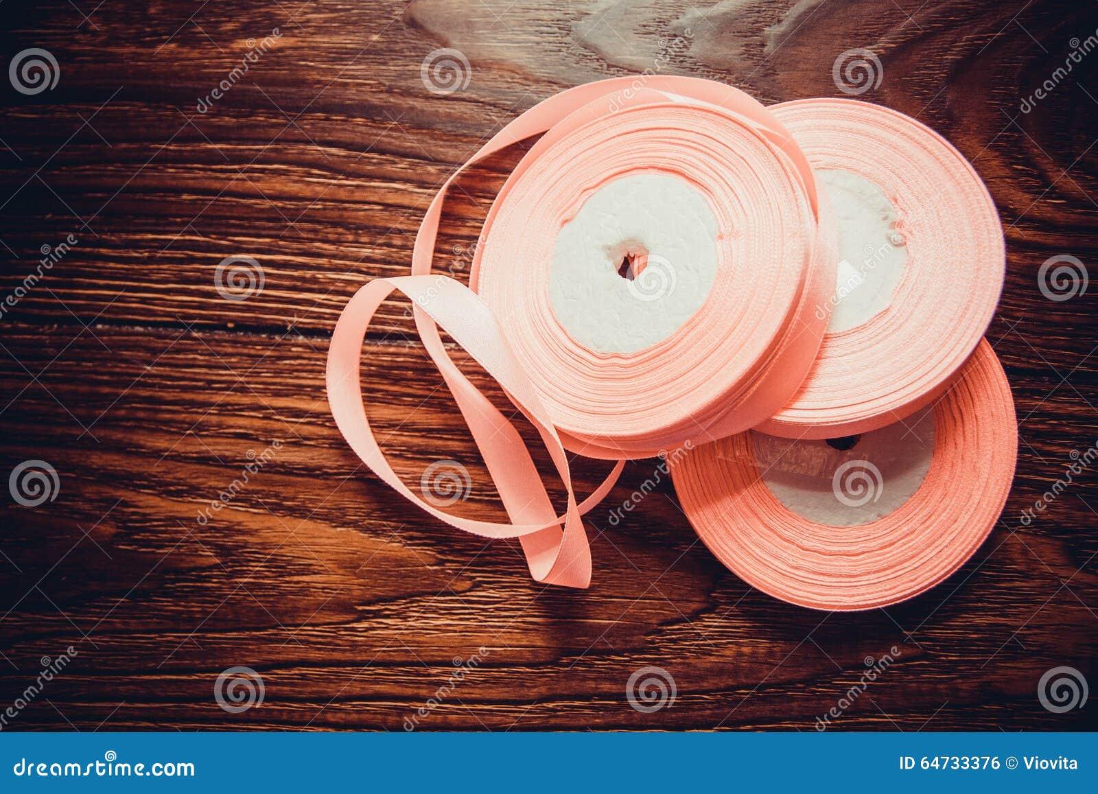 Verschiedene Seidenbänder
