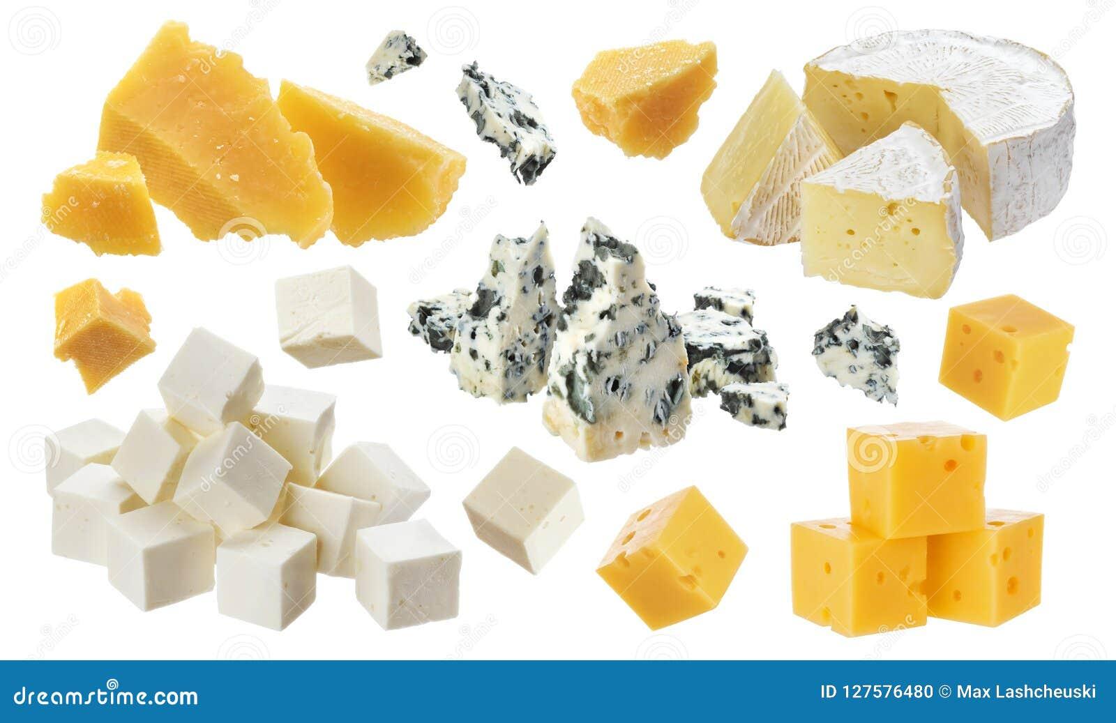 Verschillende stukken van kaas Cheddar, parmezaanse kaas, emmentaler, blukaas, camembert, feta op witte achtergrond wordt geïsole